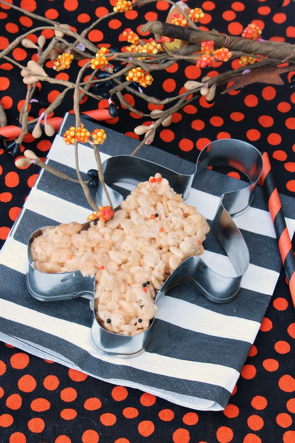 10 great halloween rice krispie treat ideas halloween rice krispie treats bones clean and scentsible