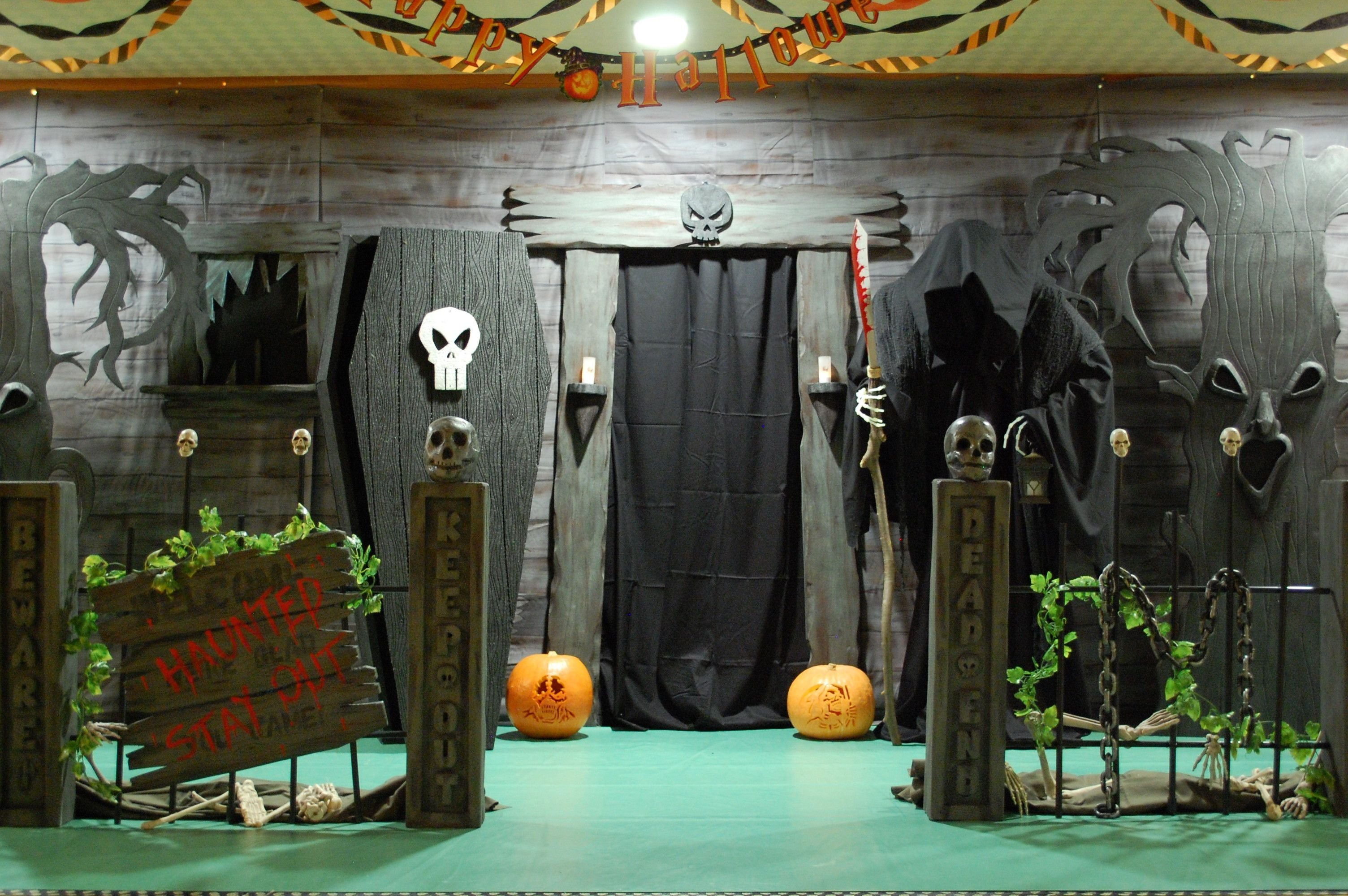 haunted house entrance a good website on diy halloween facades could