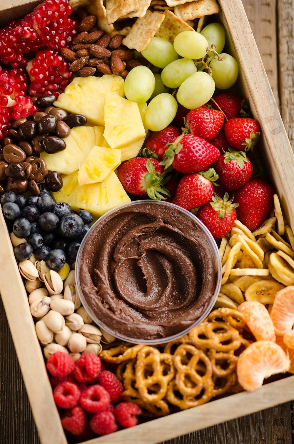 10 Attractive Fruit Tray Ideas For Parties healthy fruit chocolate party tray 2021