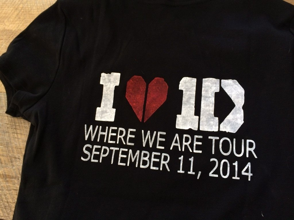 10 Fashionable One Direction T Shirt Ideas heat bond one direction concert t shirts 1 2021