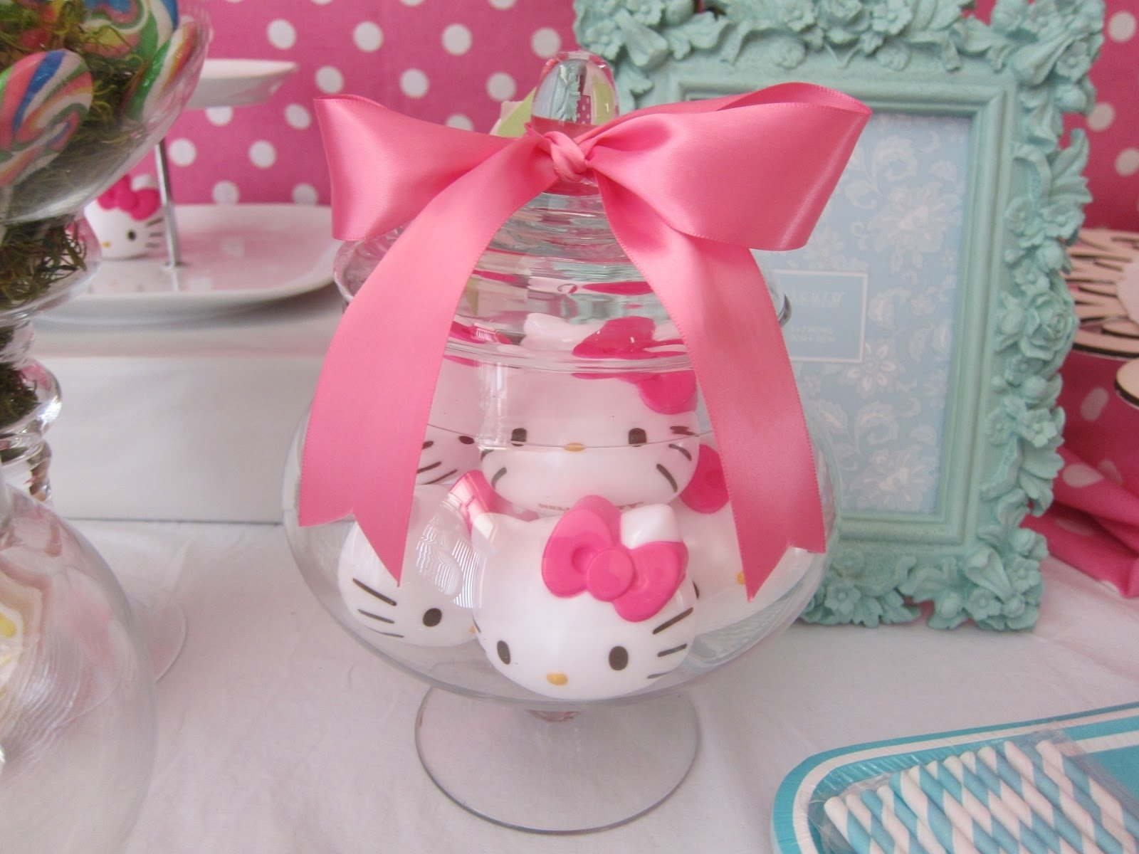 10 Lovable Hello Kitty Party Favor Ideas hello kitty centerpieces ideas for baby shower hello kitty diy party 2 2020