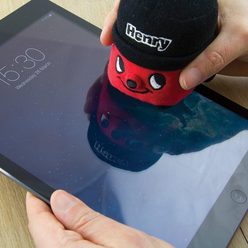 10 Wonderful Secret Santa Gift Ideas For Men henry screen cleaner gifts gadgets qwerkity 2020