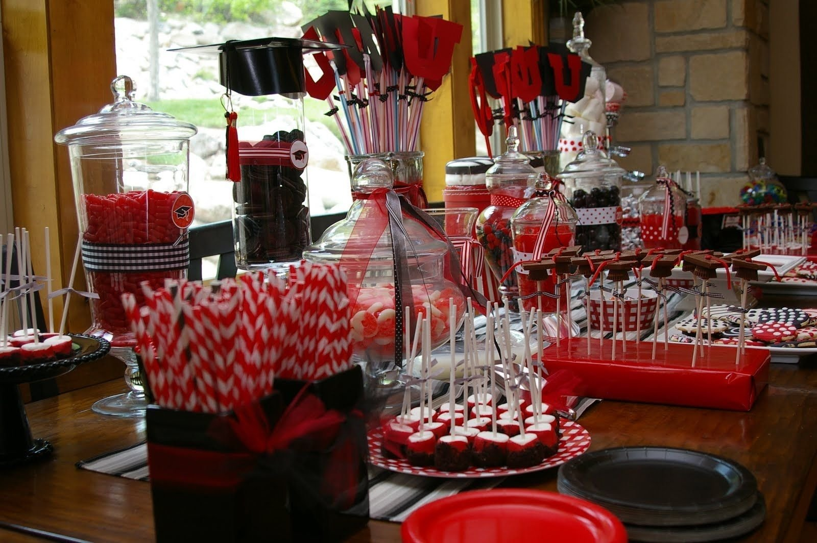10 Great High School Graduation Party Ideas Pinterest high school graduation party ideas bridgey widgey graduation