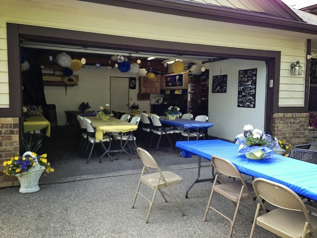 10 Awesome Graduation Party Ideas For Guys high school graduation party ideas for guys graduation party ideas 2021