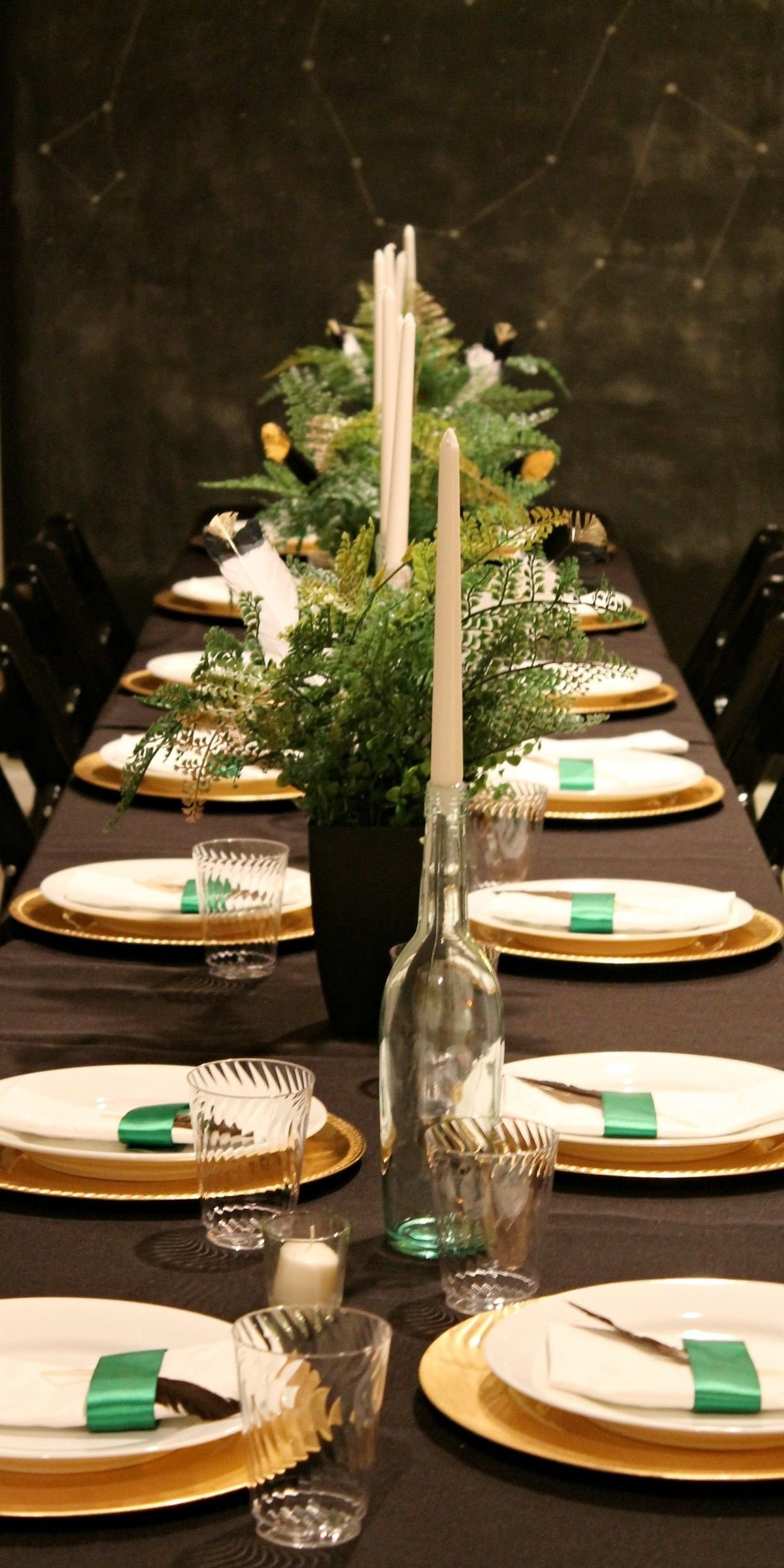 10 Fashionable Centerpiece Ideas For Dinner Party holiday dinner table ideas christmas decoration excerpt how to 2020