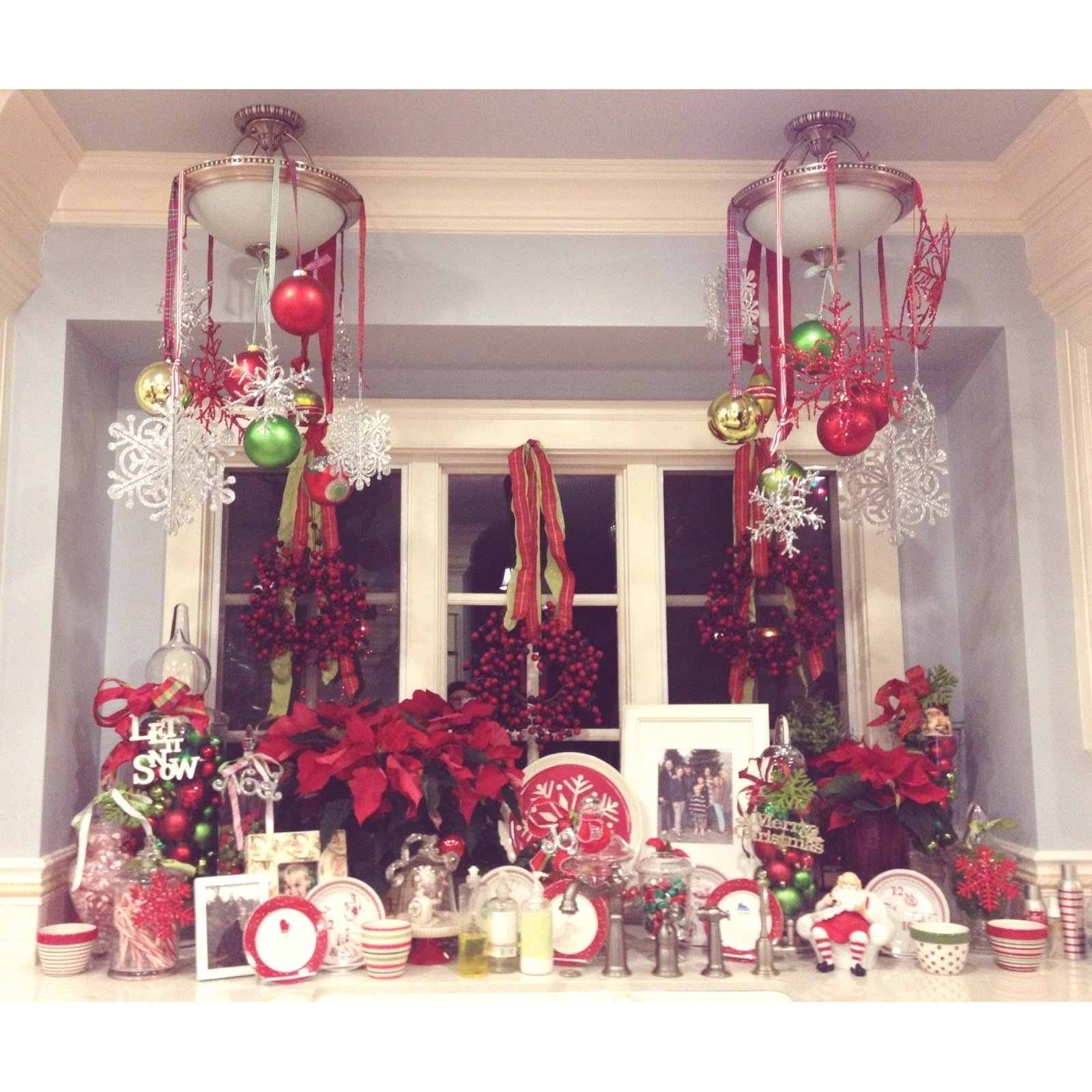 10 Fabulous Christmas Decorating Ideas For Windows holiday window decorating ideas christmas home intuitive 2020