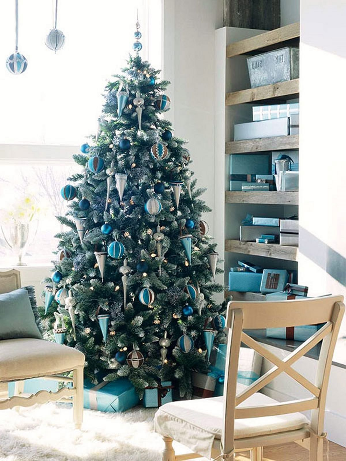 10 Perfect Modern Christmas Tree Decorating Ideas home decoration beautifully decorated white christmas trees and 2020
