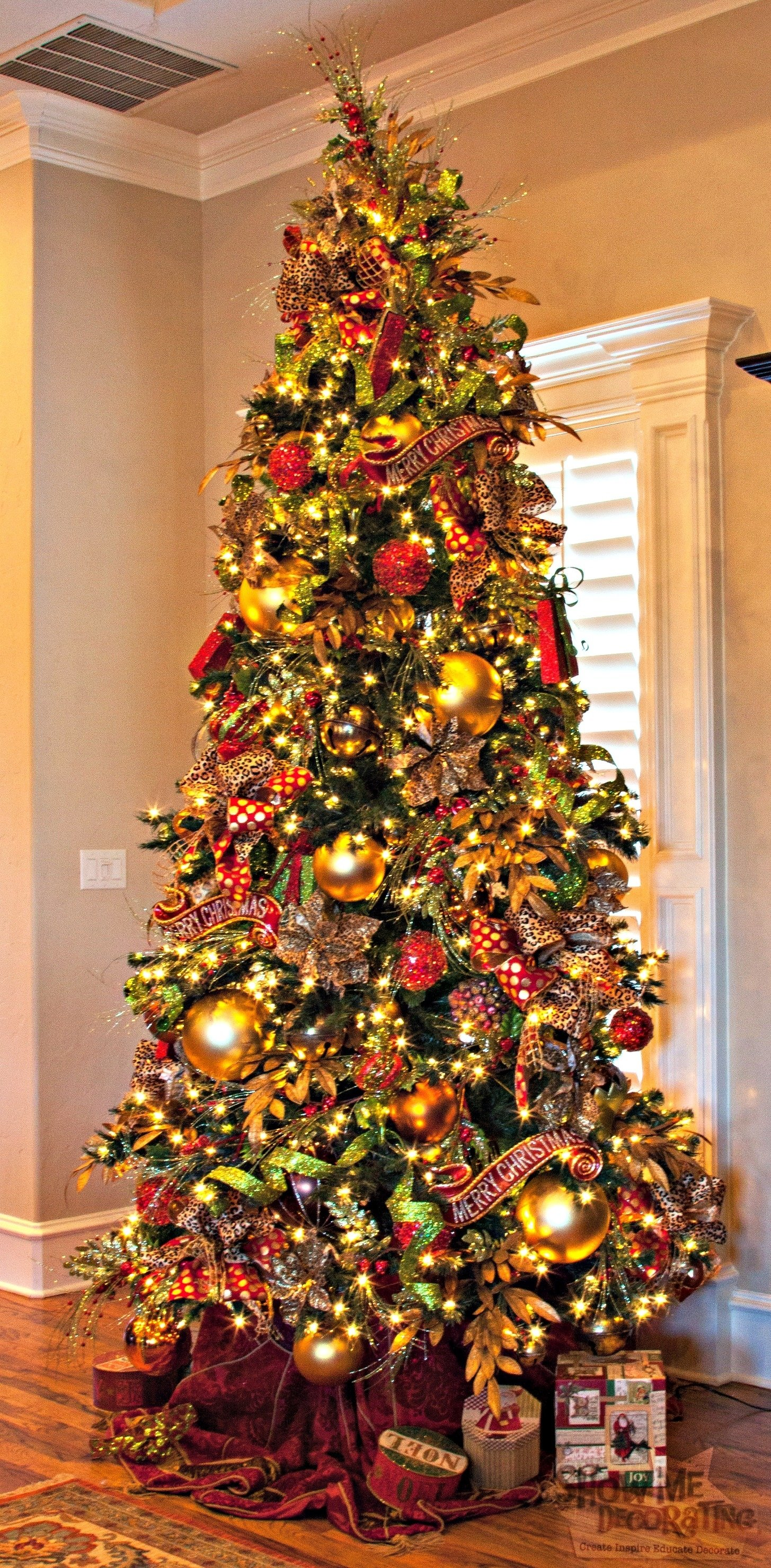 10 Stunning Red Green And Gold Christmas Tree Ideas home in the making create white and gold christmas tree red green 2021