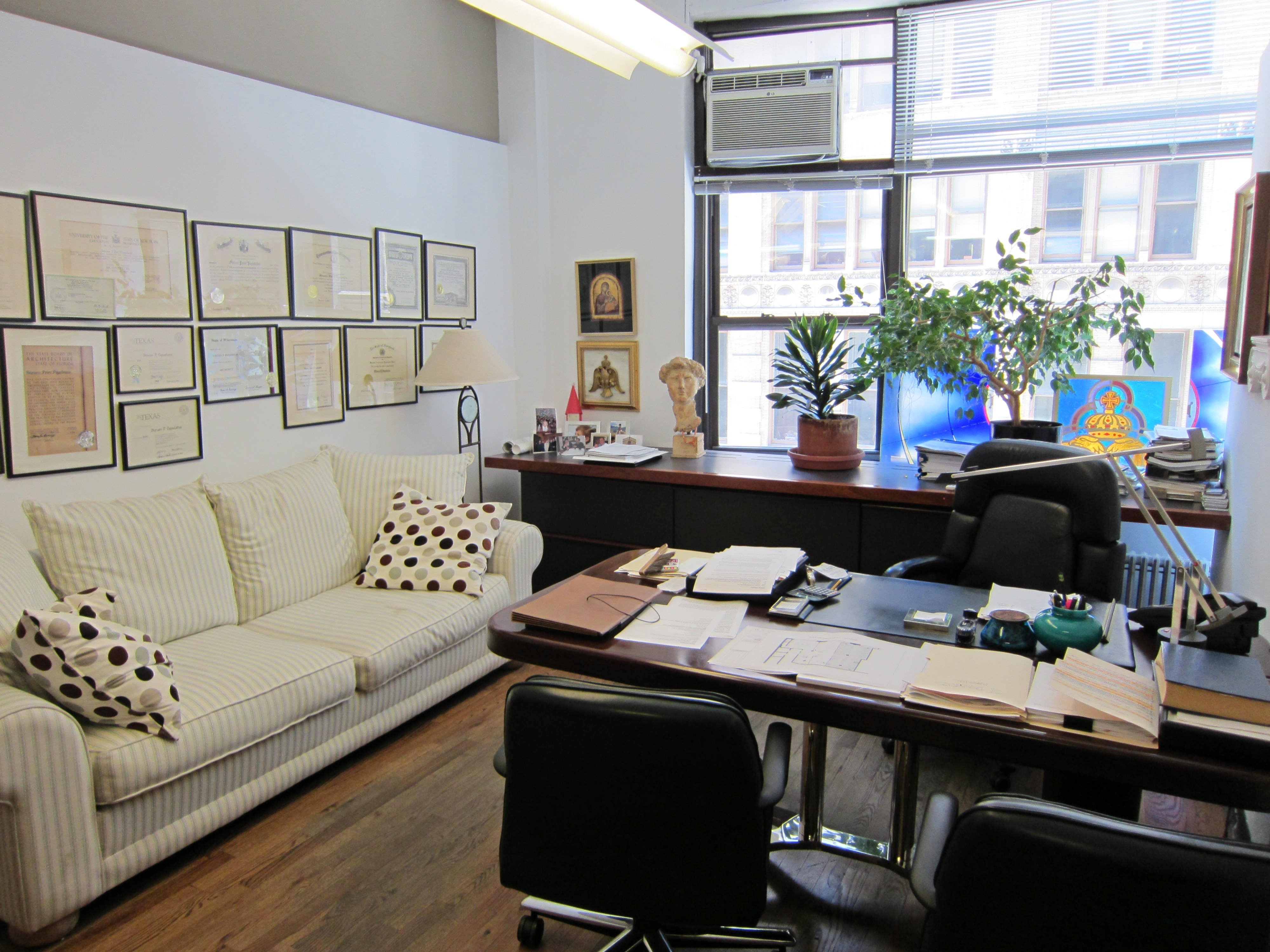 10 Best Ideas For Decorating Your Office At Work home office decorating your work desk for christmas trend decoration