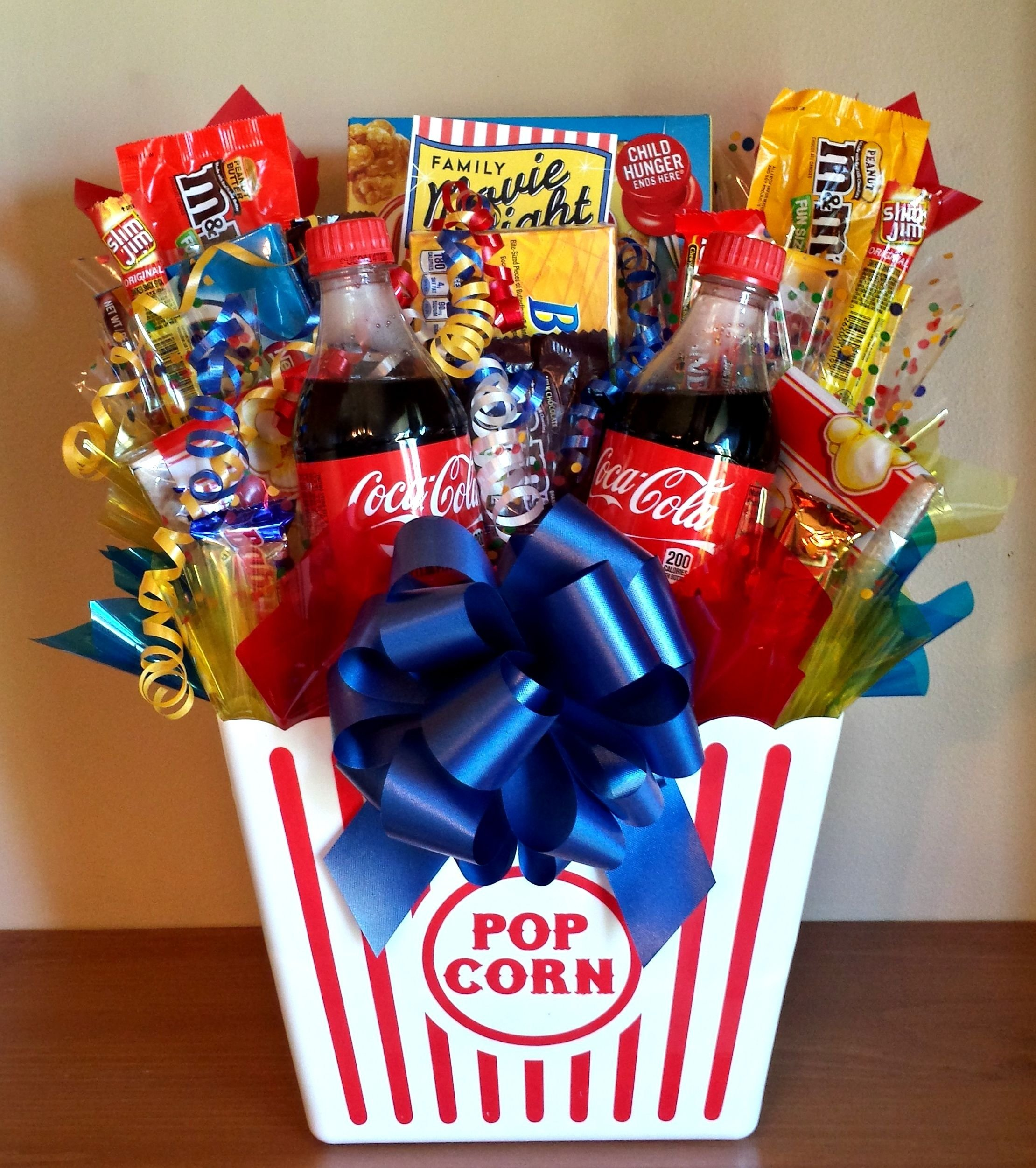 homemade gift ideas | movie night bouquet with drinks, sweets