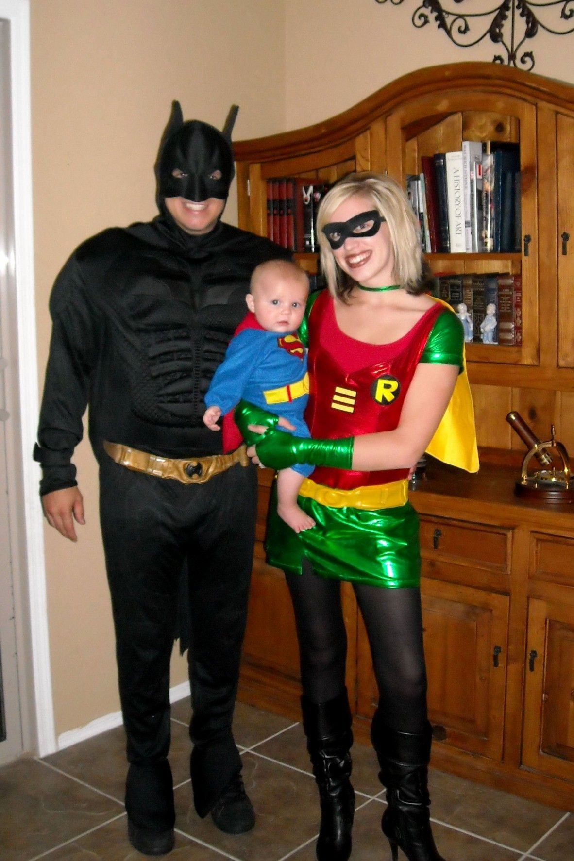 10 Fantastic Family Costume Ideas For Three hoop hangout halloween family of three family costumes 2020