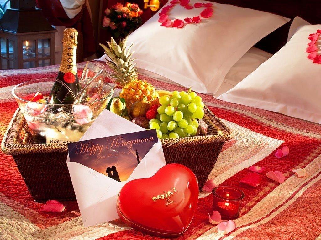 10 Fabulous Ideas For A Romantic Night In A Hotel hotel honeymoon room decoration honeymoon room ideas pinterest 2020