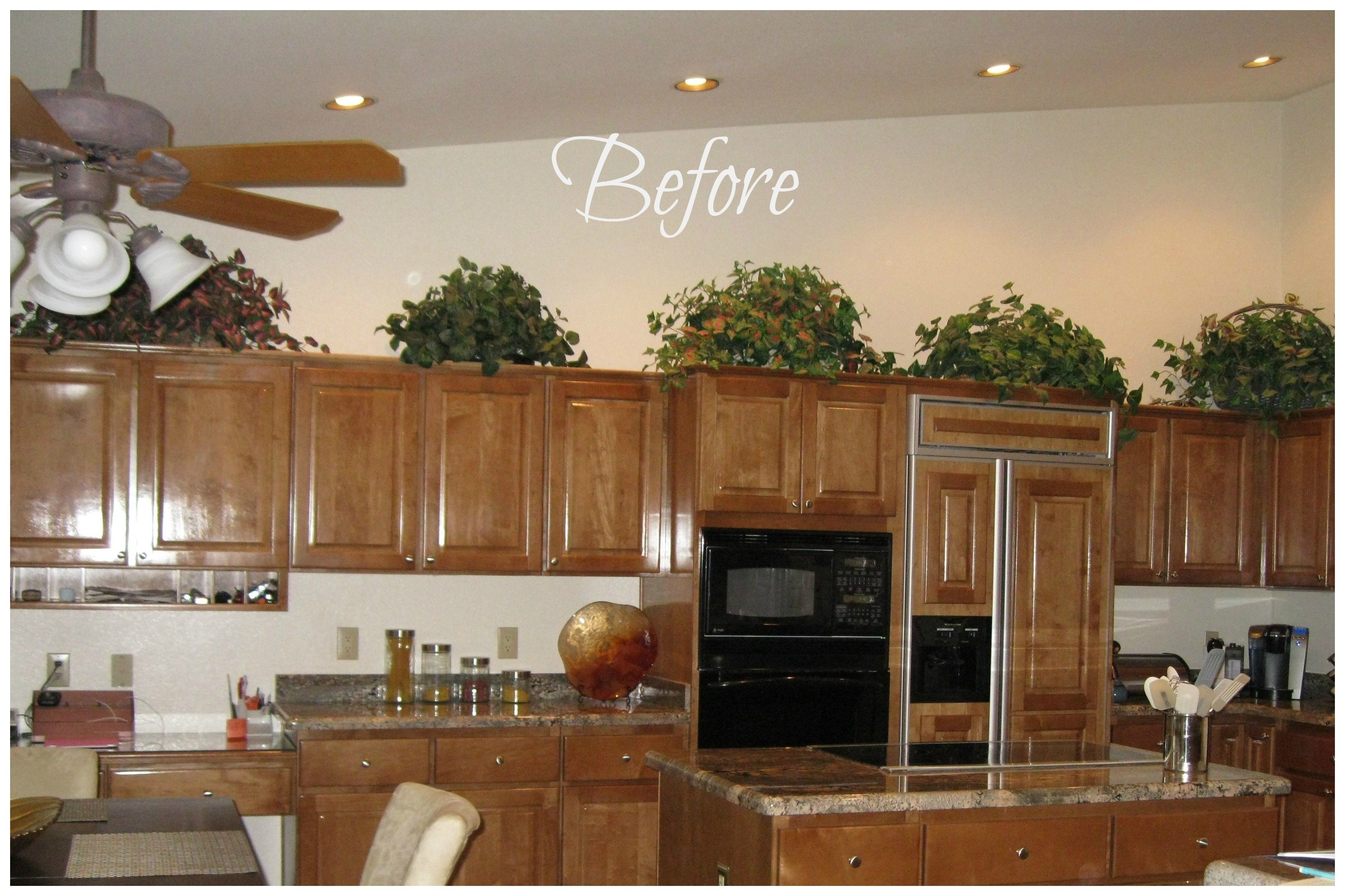 10 Cute Decorating Ideas Above Kitchen Cabinets how do decorate above my kitchen cabinets decobizz 2
