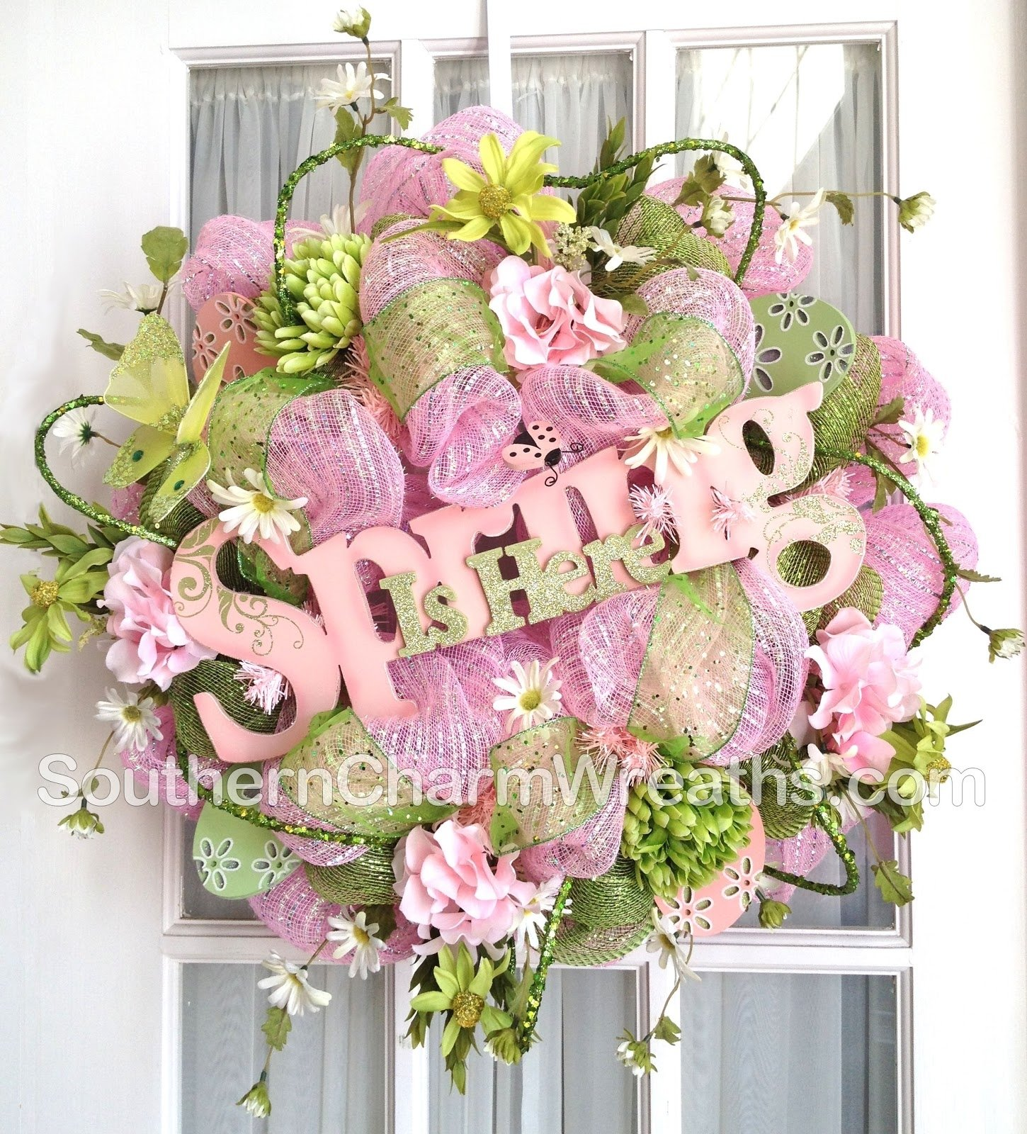 10 Fabulous Spring Deco Mesh Wreath Ideas how to clean up the back of a deco mesh wreath 2020