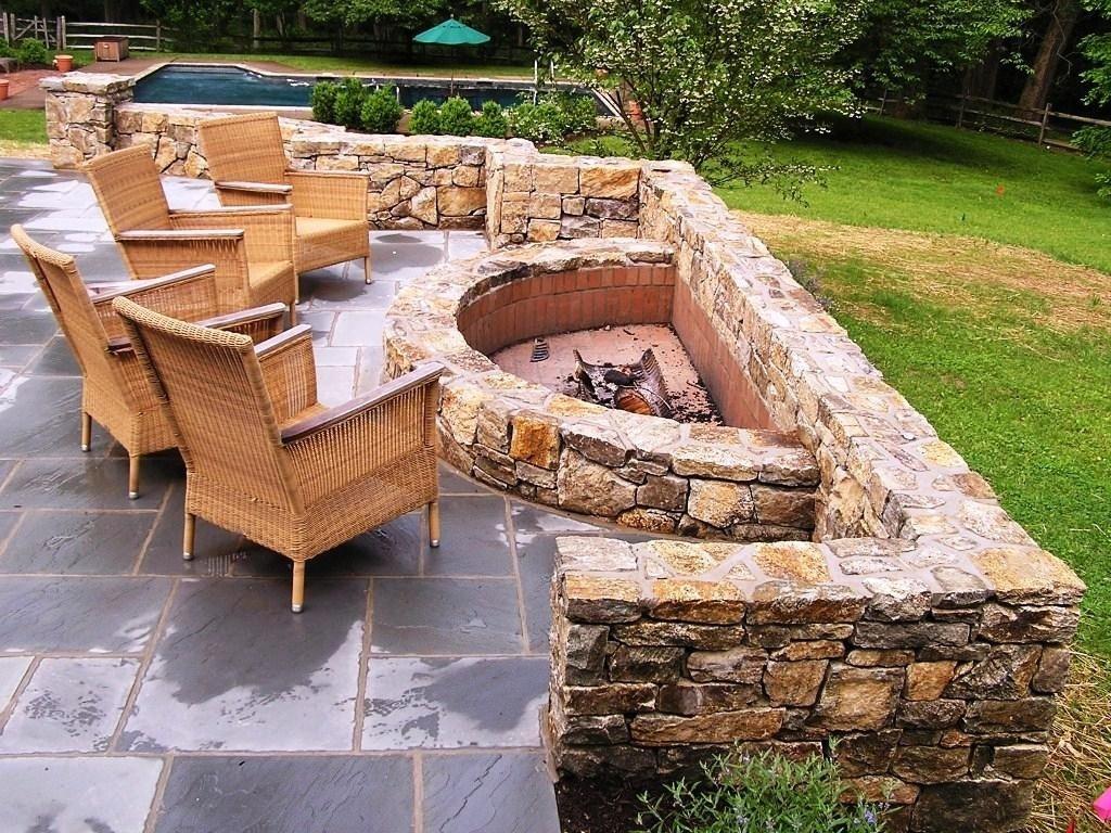 10 Beautiful Simple Backyard Fire Pit Ideas how to create fire pit on yard simple backyard fire pit ideas 2021