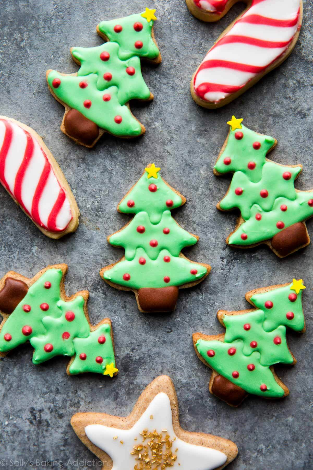 10 Amazing Easy Sugar Cookie Decorating Ideas how to decorate sugar cookies sallys baking addiction 1 2021