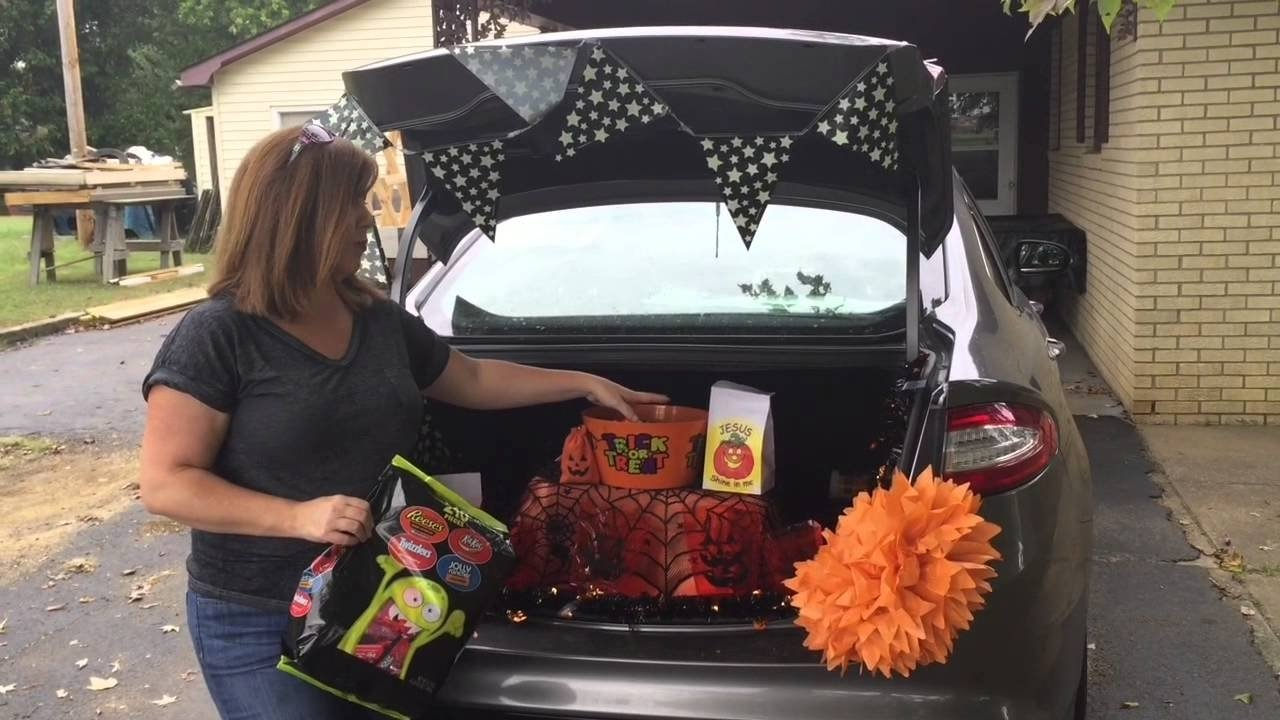 10 Perfect Easy Trunk Or Treat Decorating Ideas how to decorate your trunk for trunk or treat youtube 2 2020