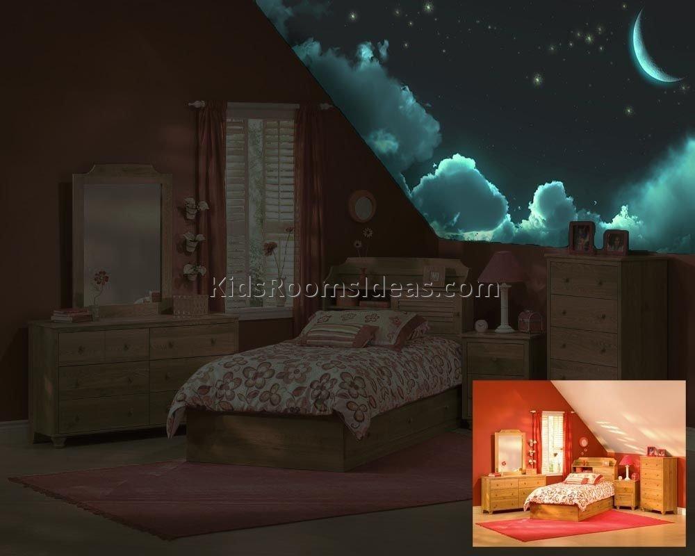 10 Stylish Glow In The Dark Room Ideas how to diy glow in the dark paint wall murals ideas home design 1 2020