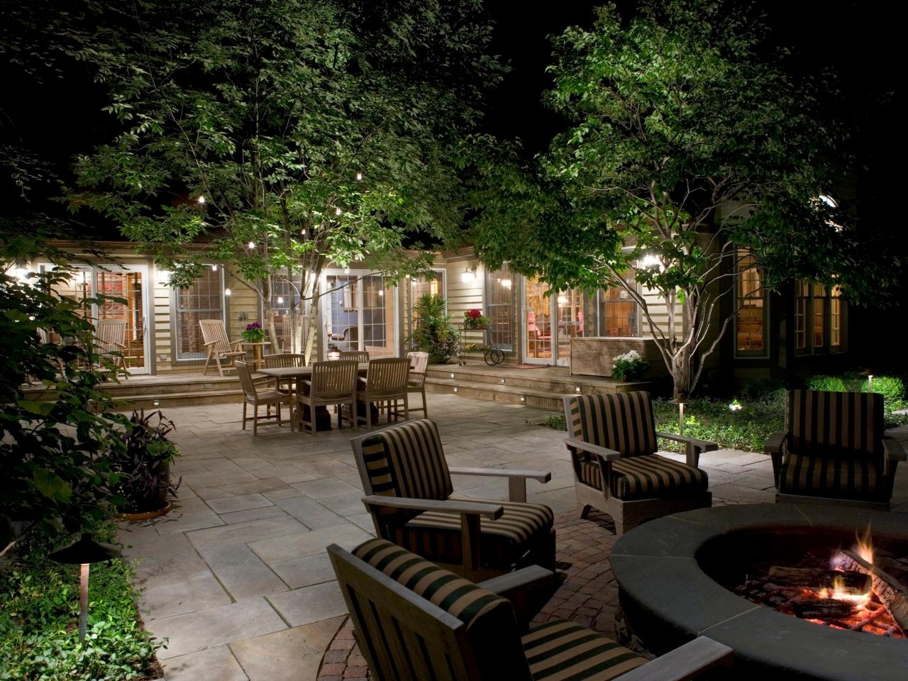 10 Amazing Outdoor Lighting Ideas For Patios %name 2020