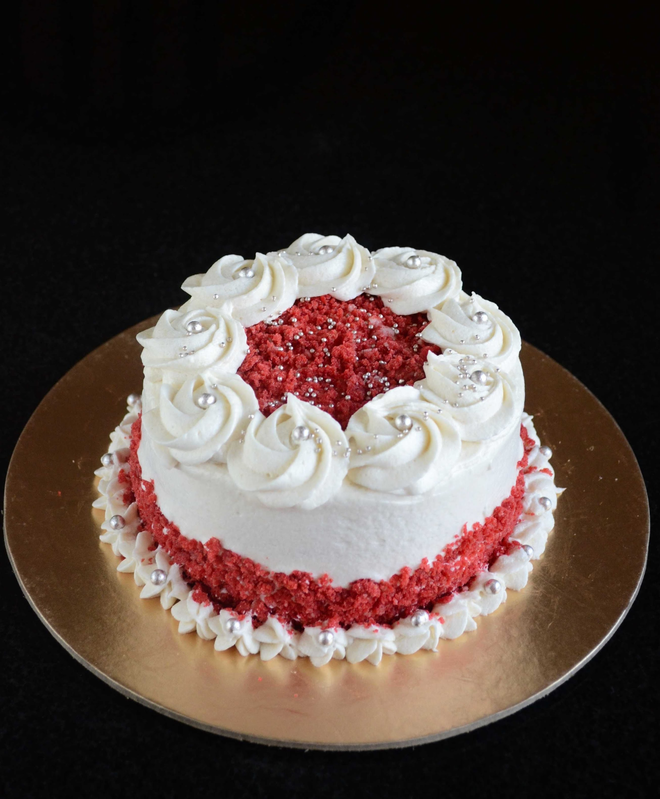 10 Amazing Red Velvet Cake Decorating Ideas how to make eggless red velvet cake with boiled flour buttercream