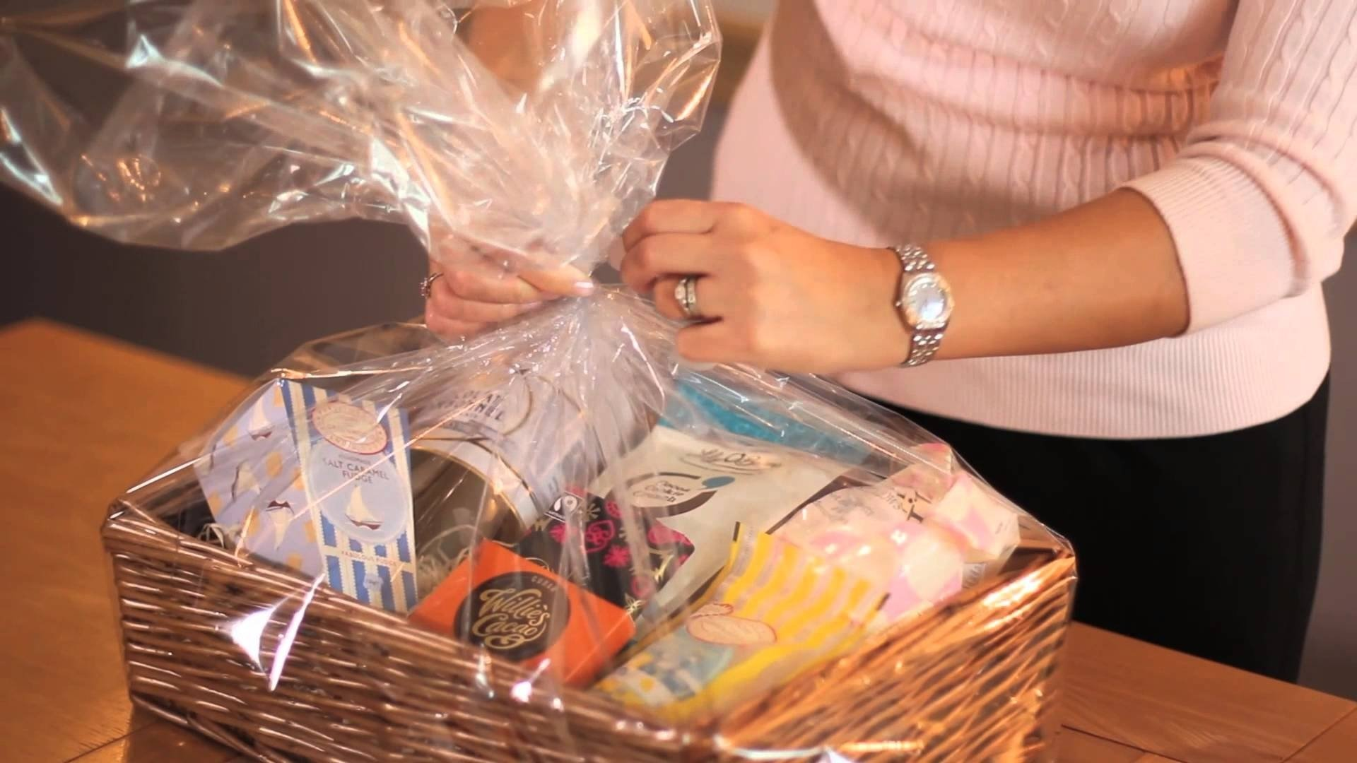 10 Fantastic Make Your Own Gift Basket Ideas how to make your own gift hamper youtube 2021