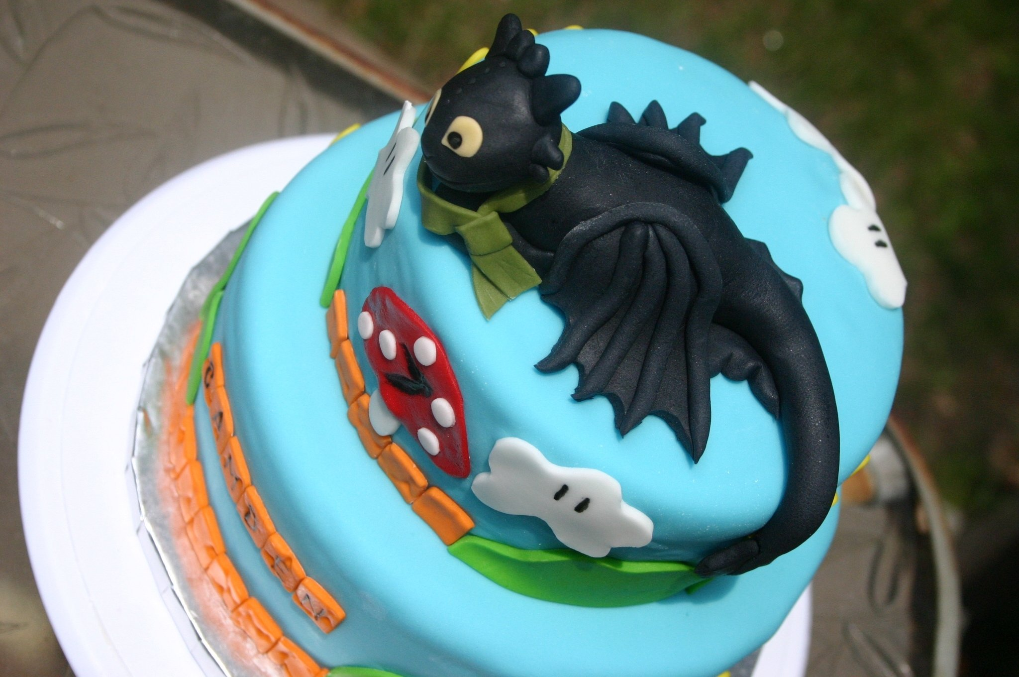 how to train your dragon toothless cake | toothless with his tae