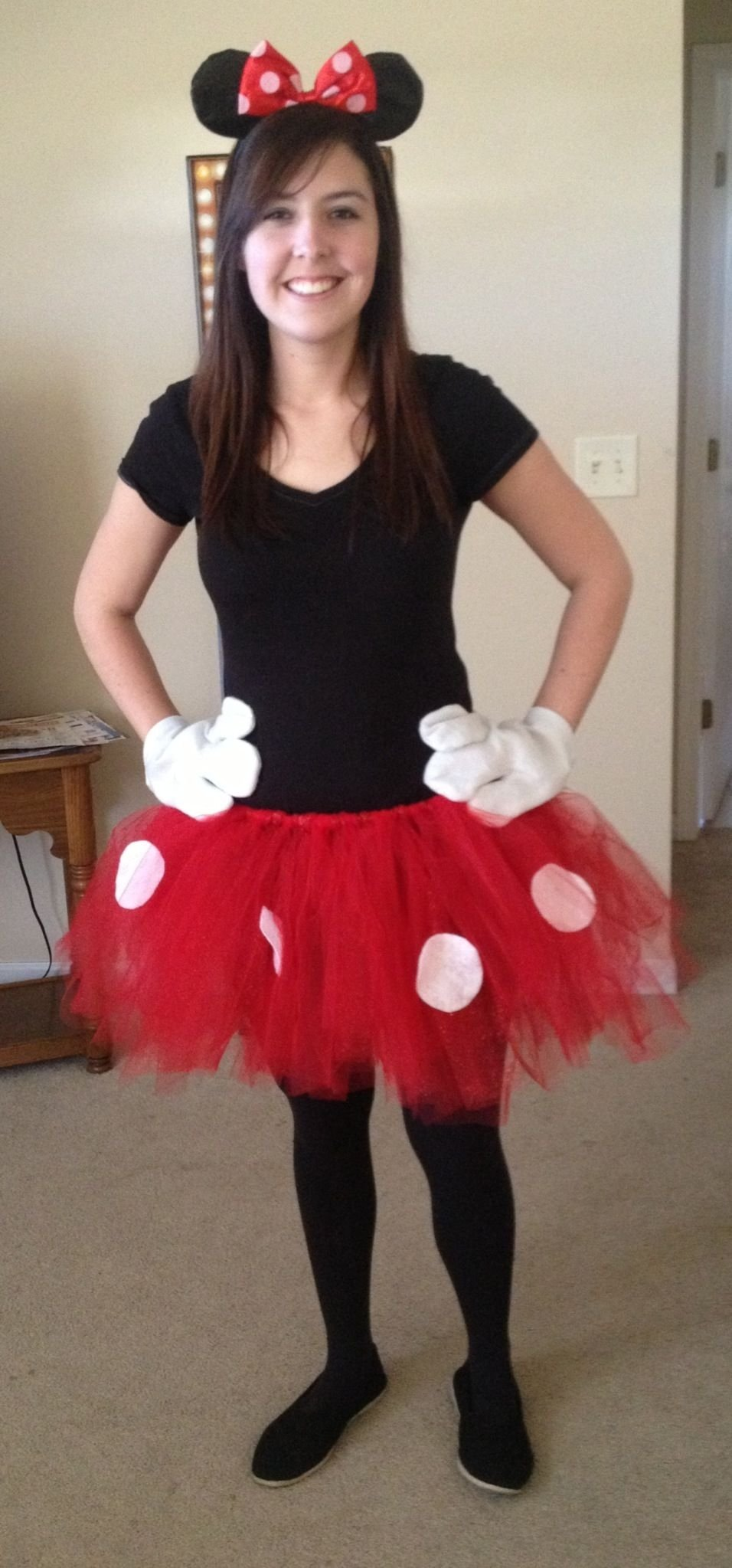 10 Great Minnie Mouse Costume Ideas For Women http www tipsforplanningaparty halloweencostumepartyideas php 2020