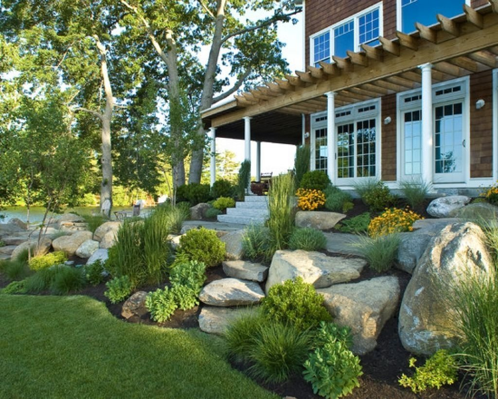 10 Nice Front Yard Landscape Design Ideas hurry front yard landscaping about remodel sloping ideas 24 www