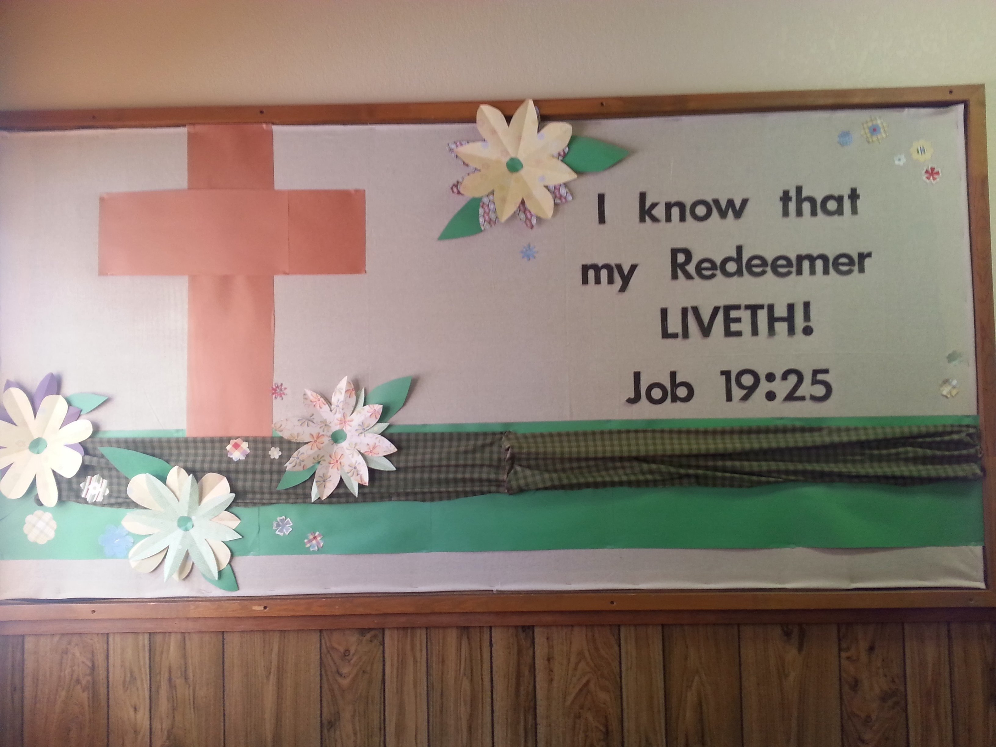 10 Most Recommended Easter Bulletin Board Ideas For Church i know that my redeemer liveth bulletin board 2020