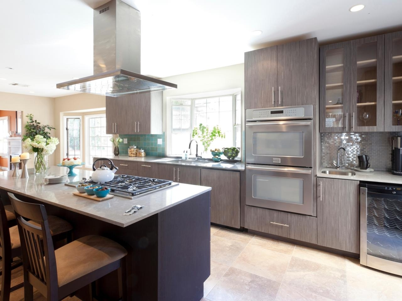 10 Lovely Painting Ideas For Kitchen Cabinets %name 2020