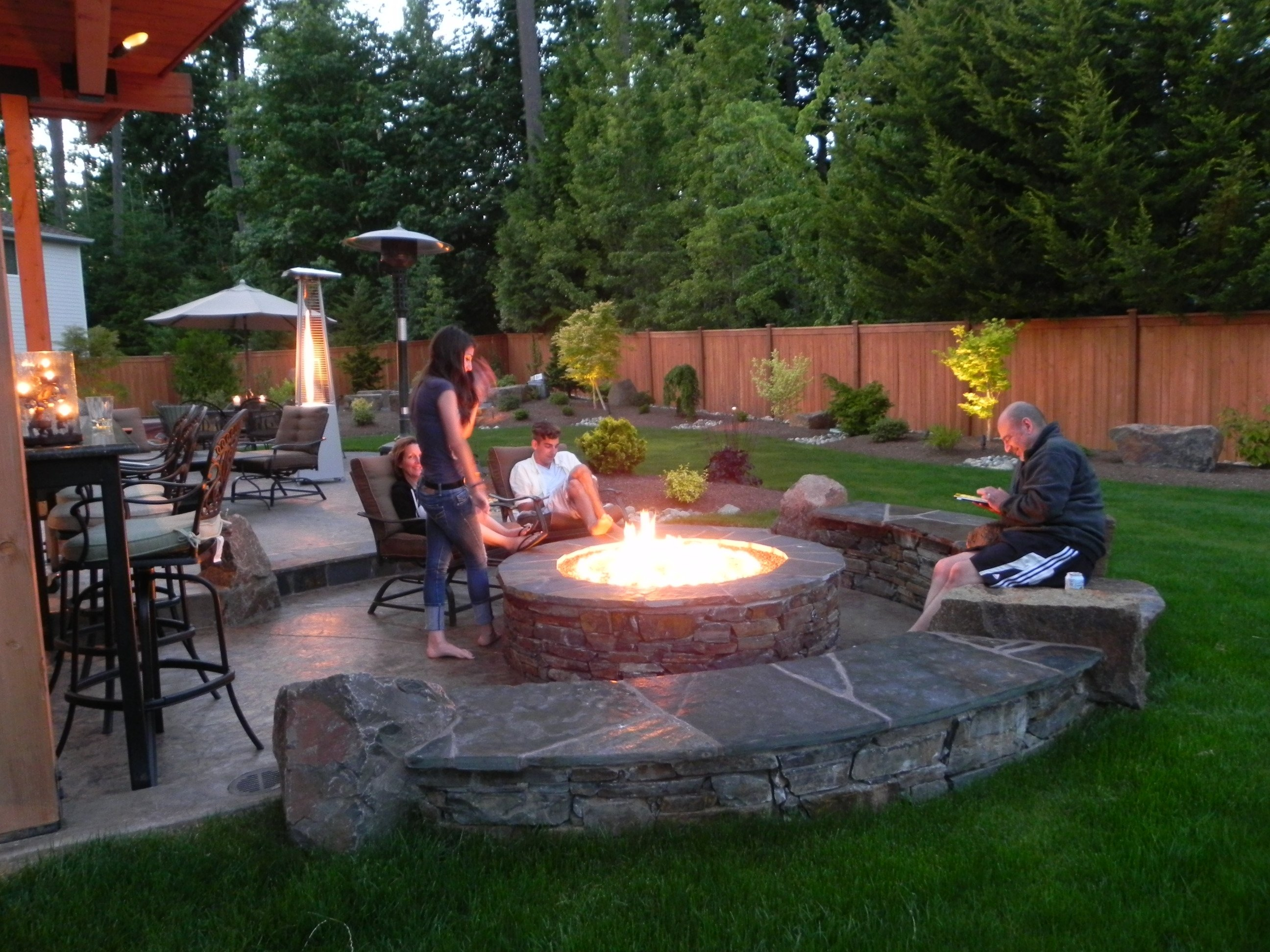 10 Fantastic Outdoor Patio Ideas With Fire Pit ideas of outdoor fire pit patio design ideas outdoor fire pit 2020