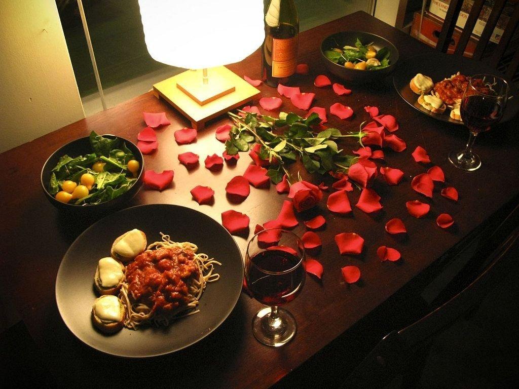 ideas para una cena romántica: consejos para que salga perfecta y
