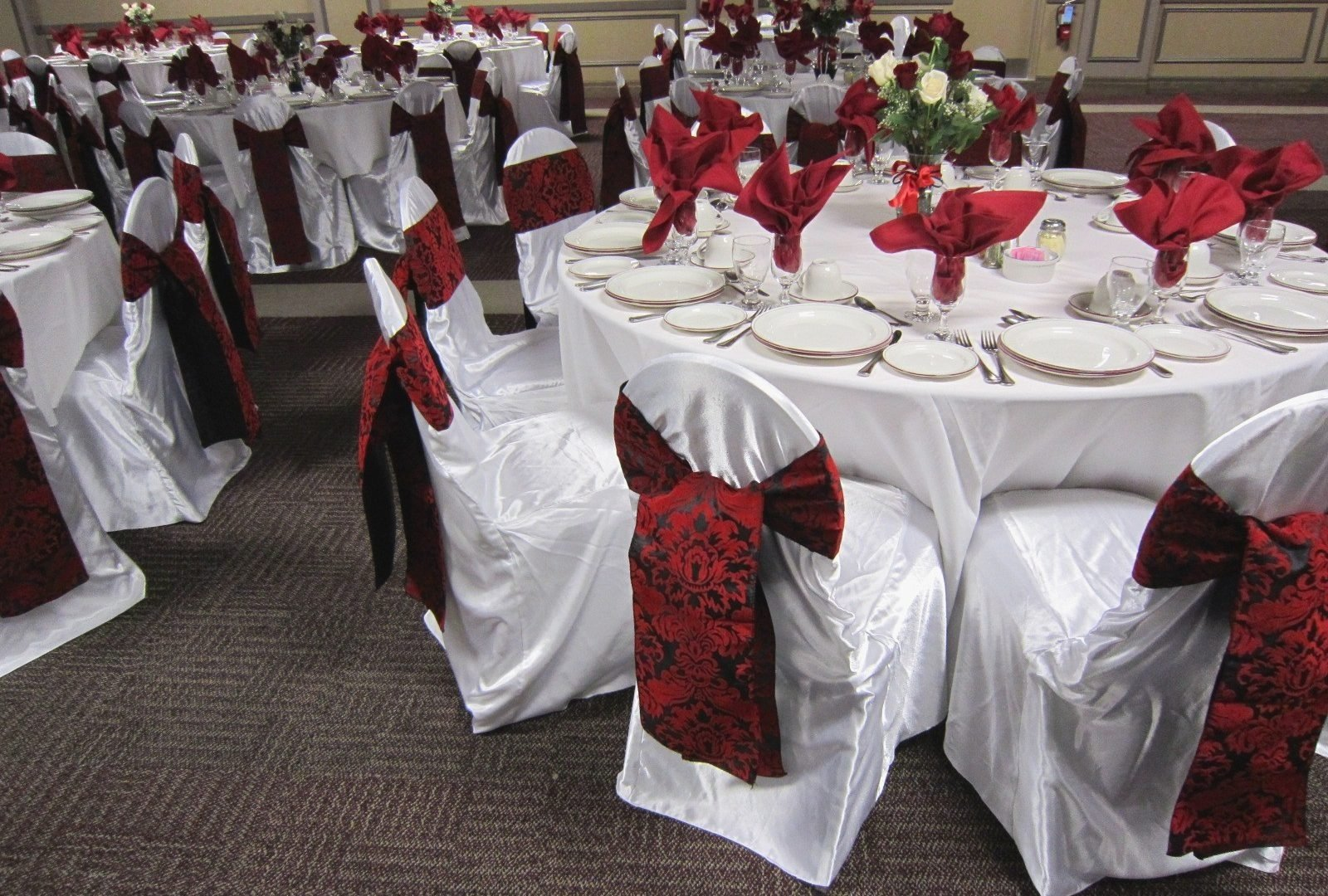 10 Fabulous Red Black And White Wedding Ideas
