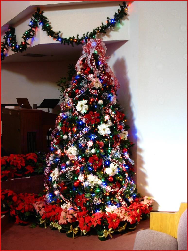 10 Elegant Christmas Tree Decorating Ideas With Multi Colored Lights image christmas tree decorating ideas with multi colored lights 5 2021