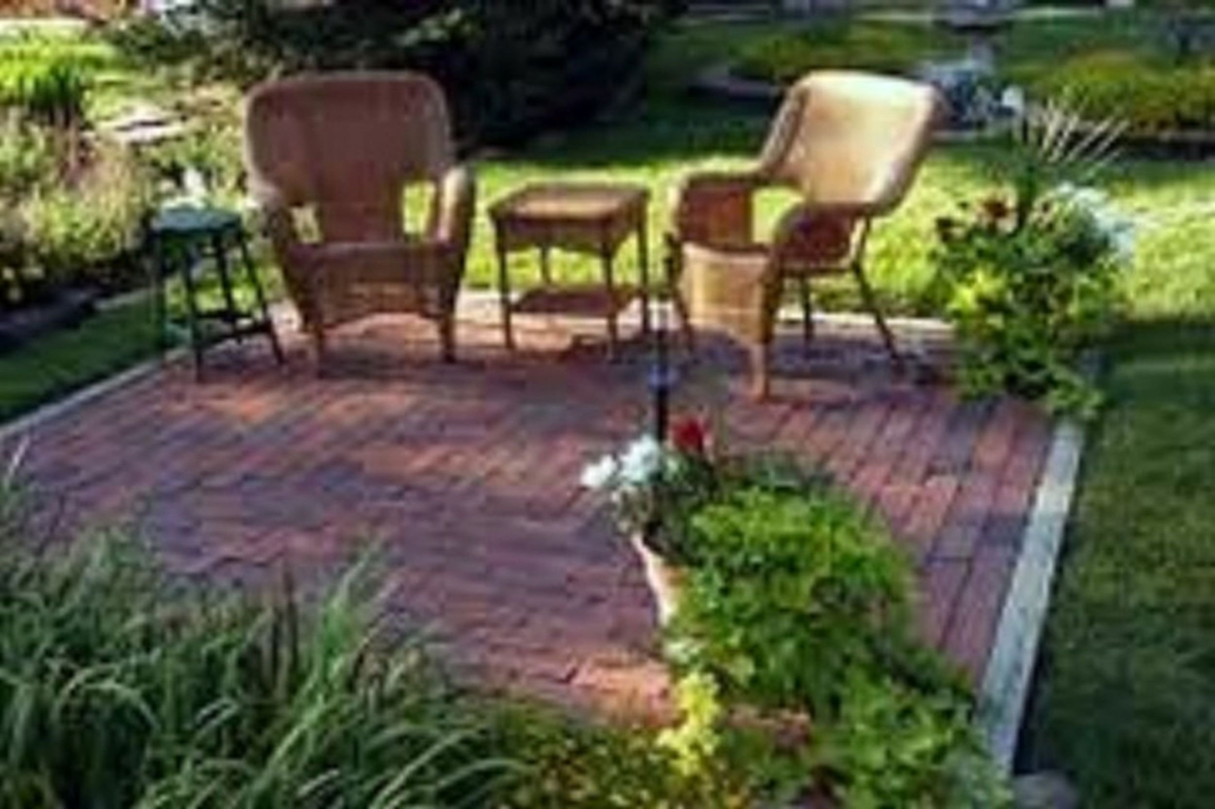 10 Stylish Landscape Ideas For Small Yards incredible backyard landscape design small back yard landscaping