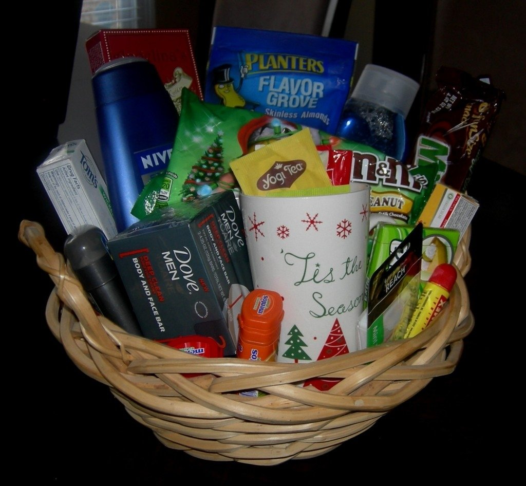 10 Lovable Family Christmas Gift Basket Ideas inexpensive gift idea gift basket i created for under 10 1 2020