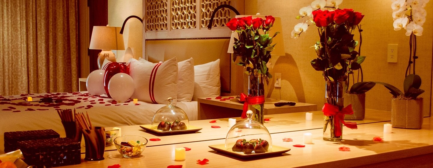 10 Trendy Romantic Ideas For Hotel Room