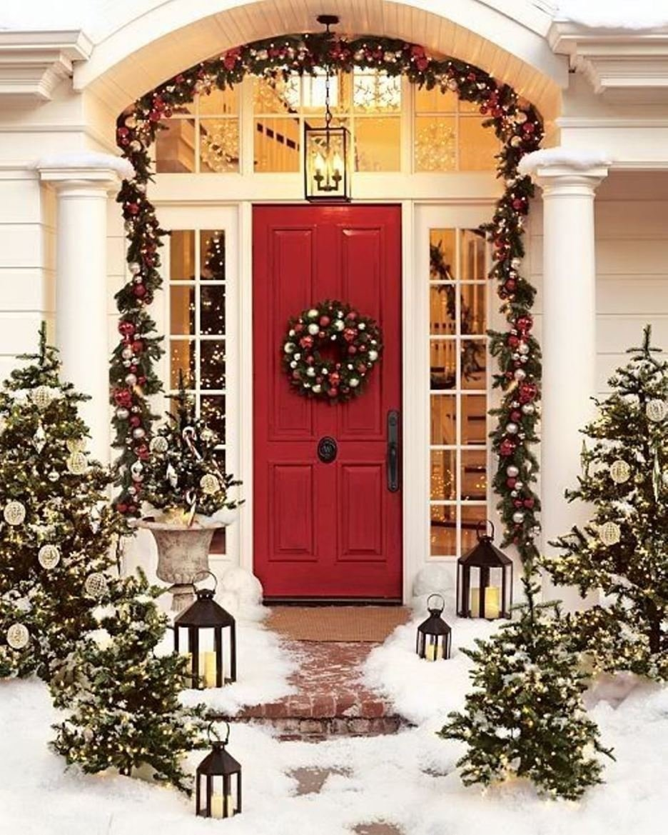 10 Awesome Front Door Christmas Decorating Ideas interior outstanding christmas ideas using green artificial wreath 1 2020