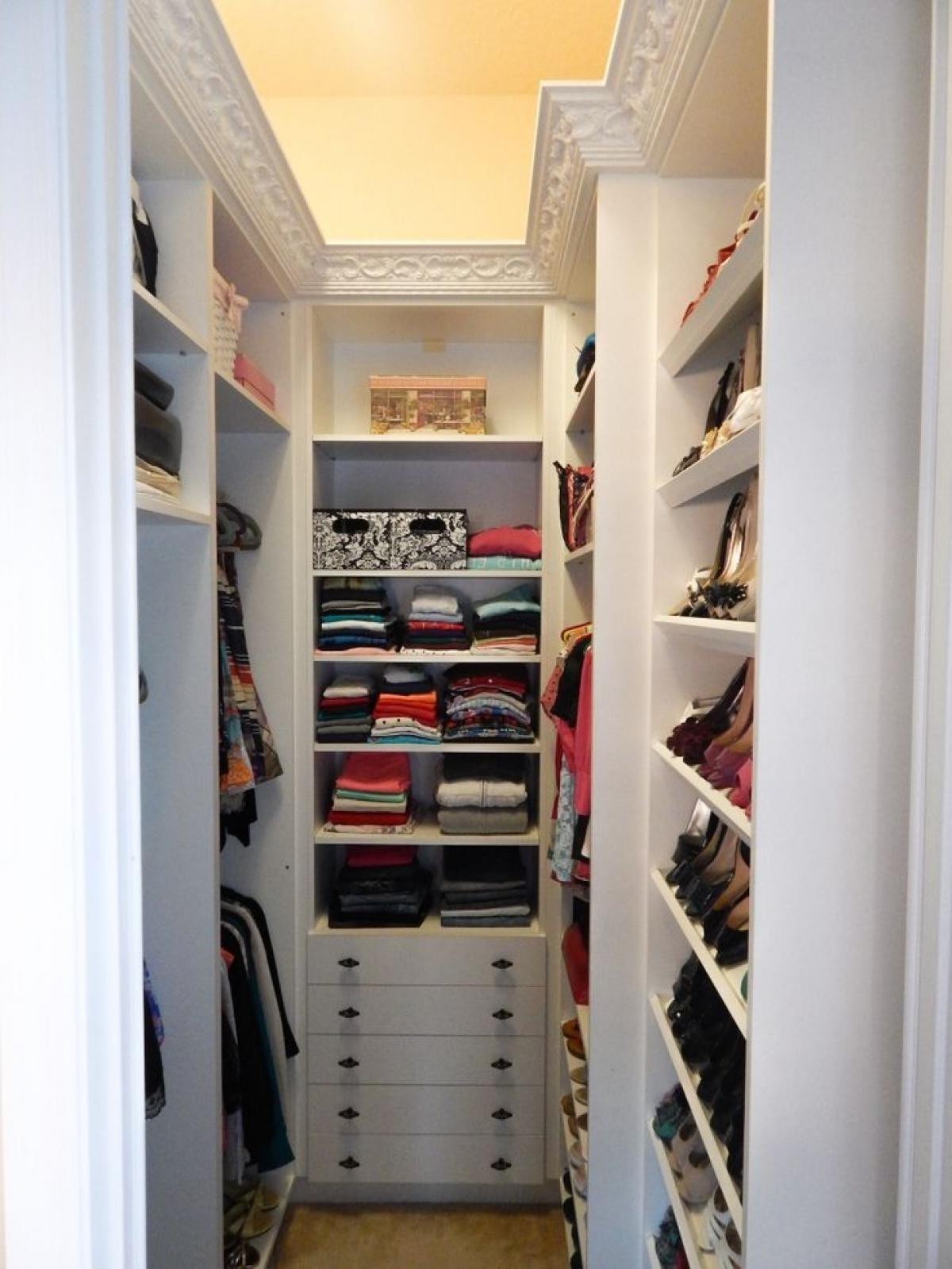 10 Fantastic Small Walk In Closet Design Ideas interior small walk in closet ideas outstanding organization