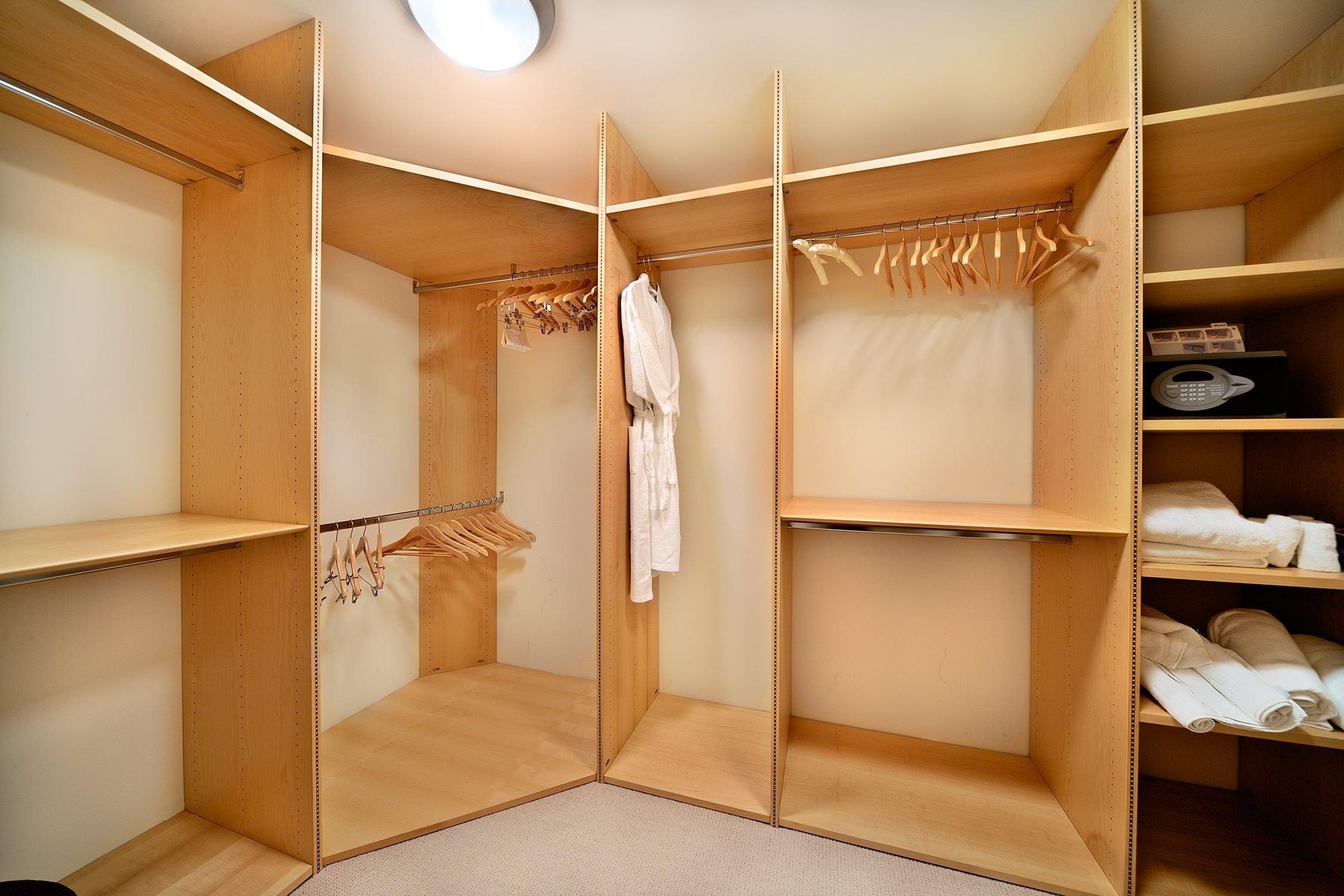 10 Fantastic Small Walk In Closet Design Ideas interior small walk in closet organization systems designs plans