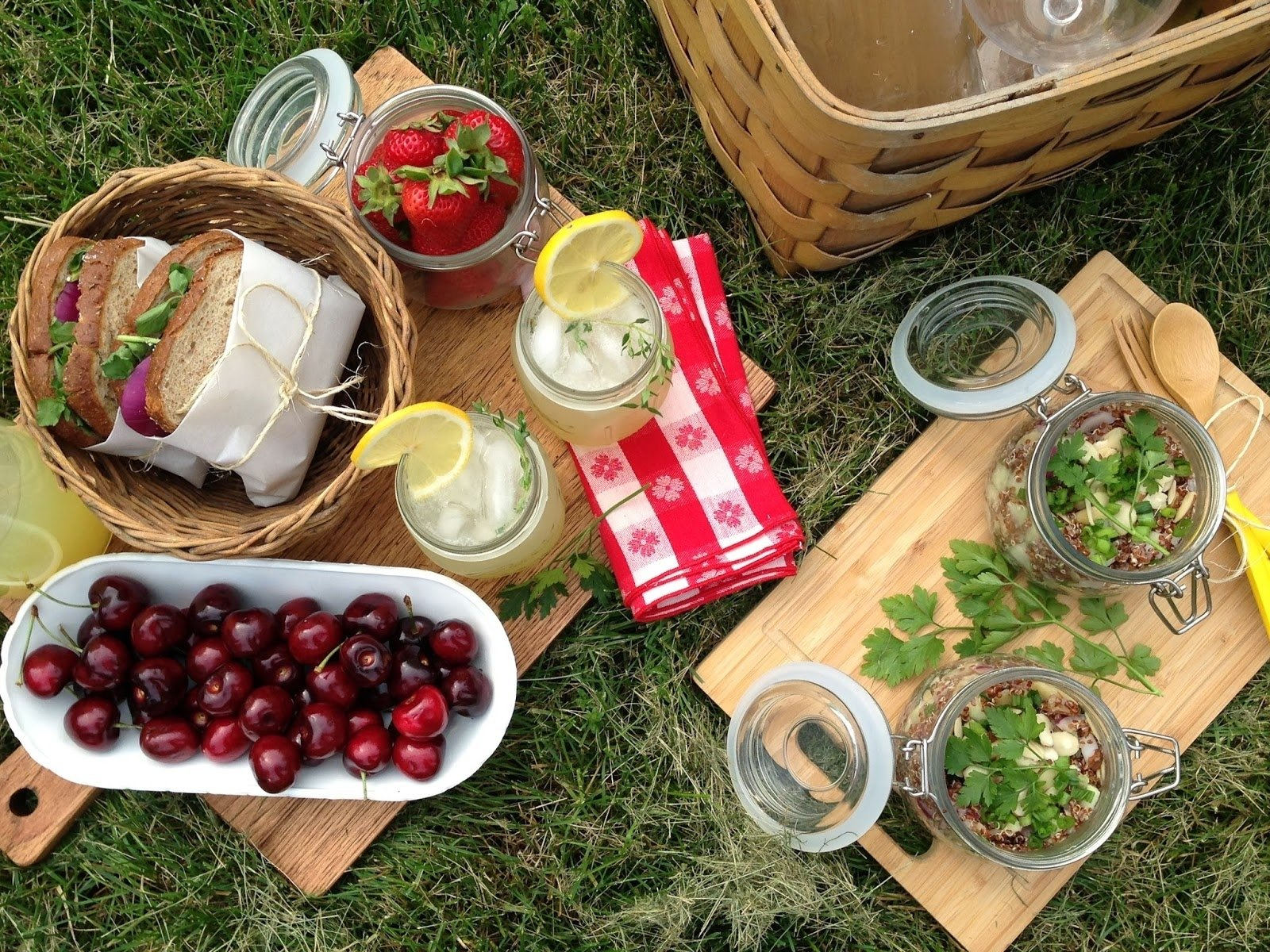 10 gorgeous picnic food ideas for two