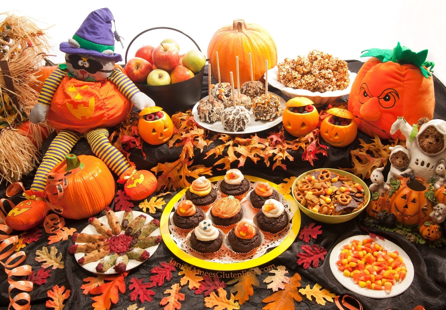 10 Stylish Halloween Food Ideas For Kids Party janice amees gluten free gluten free halloween party 3 2020