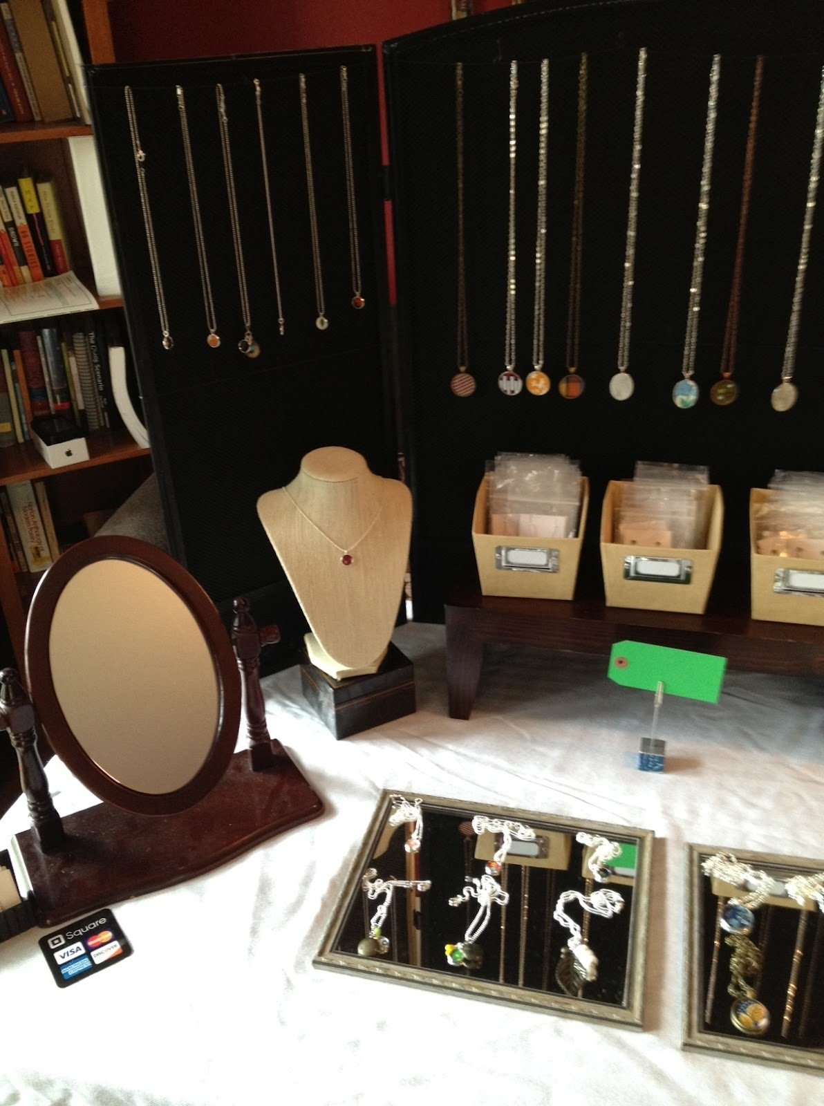 10 Perfect Craft Show Jewelry Display Ideas
