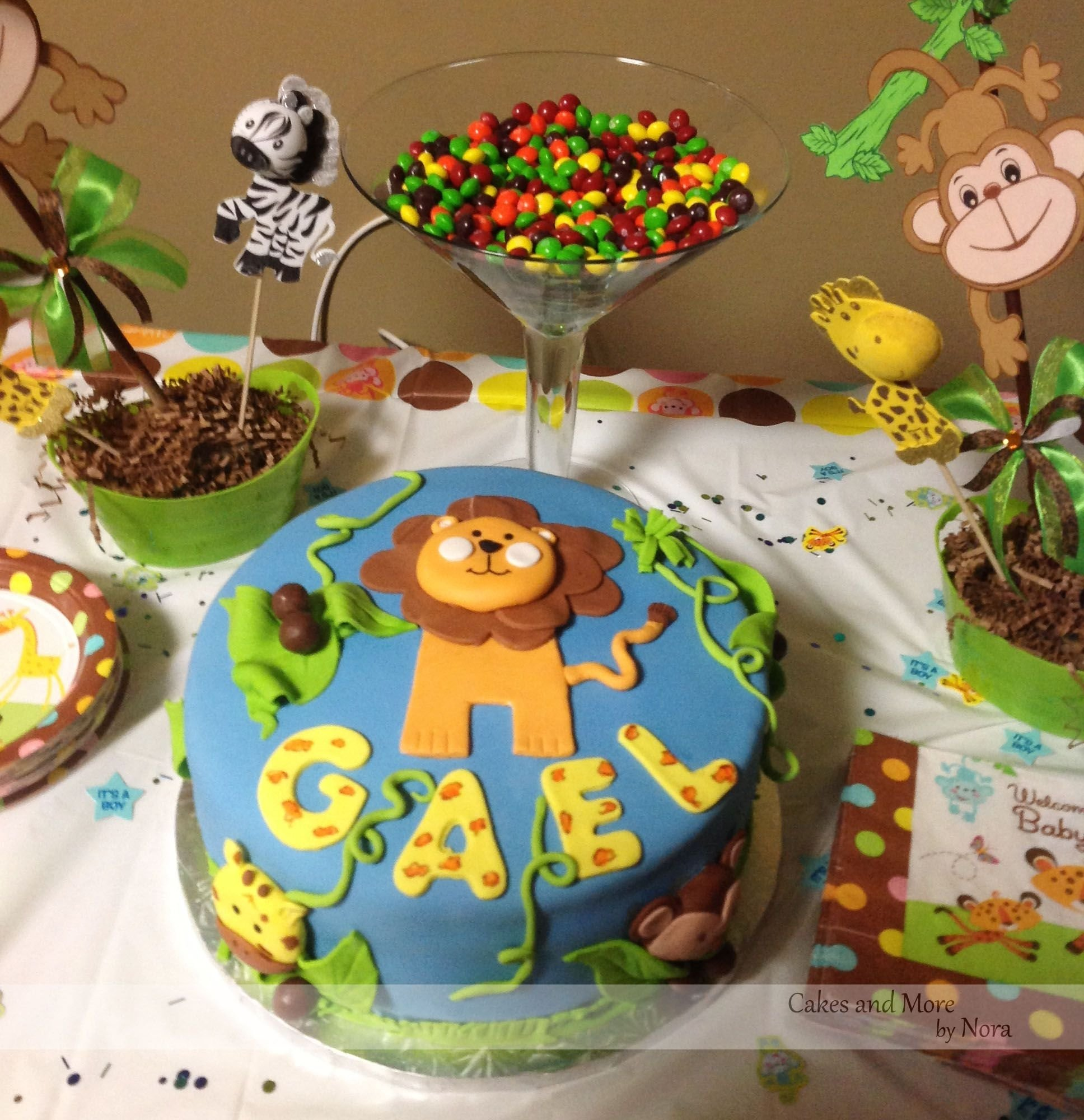 jungle themed baby shower cake | shower cakes, jungle decorations