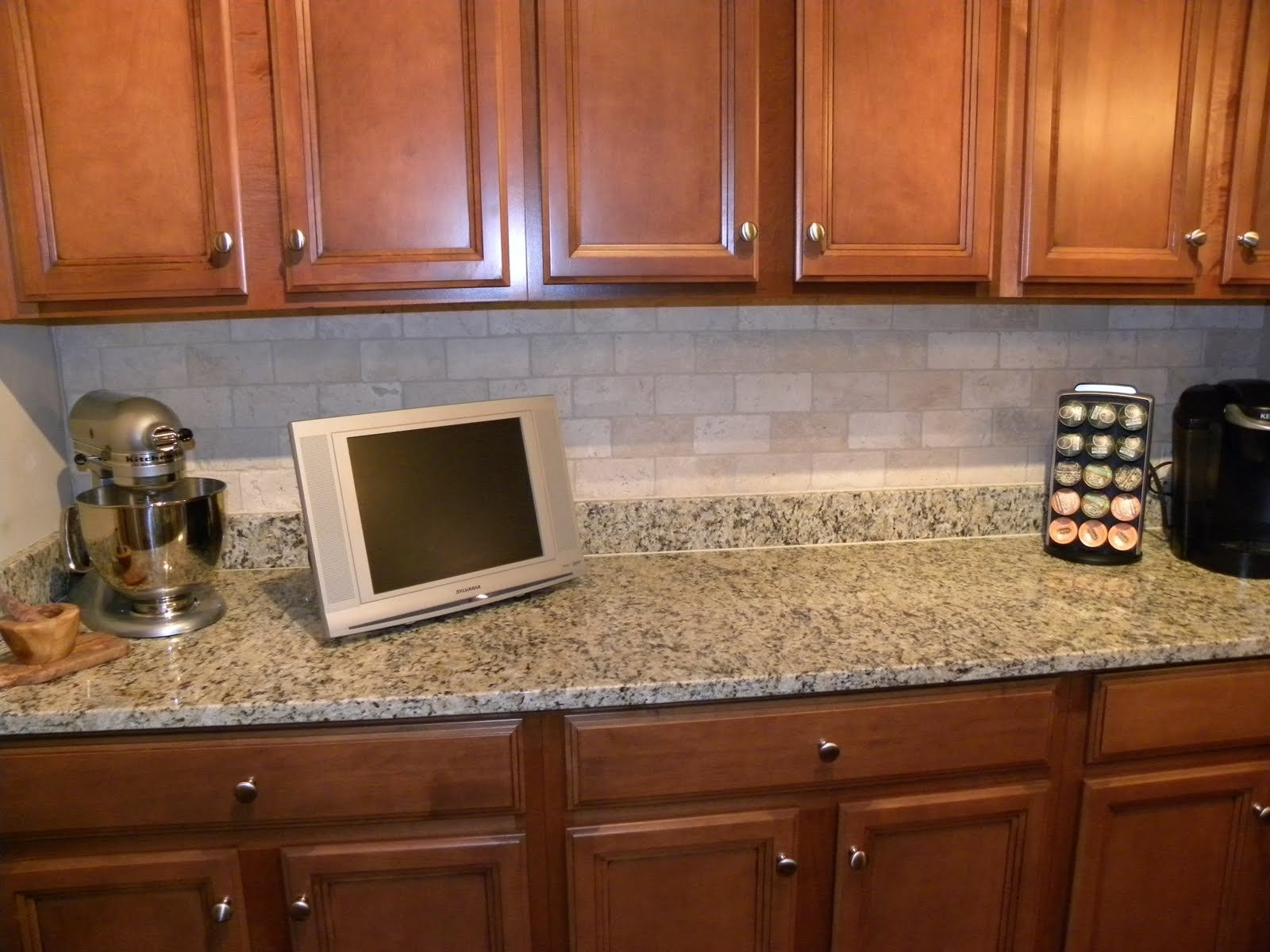 10 Stunning Backsplash Ideas For Kitchens Inexpensive kitchen a captivating kitchen backsplash ideas diy with marble top 1 2021