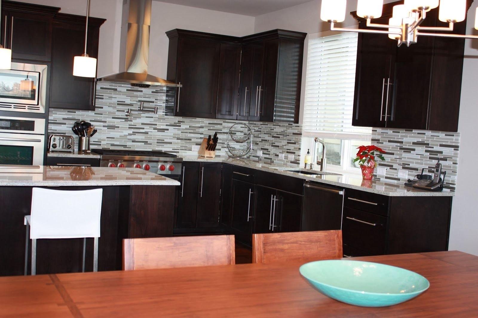 10 Attractive Backsplash Ideas For Cherry Cabinets kitchen backsplash ideas with cherry cabinets wooden varnished 2020