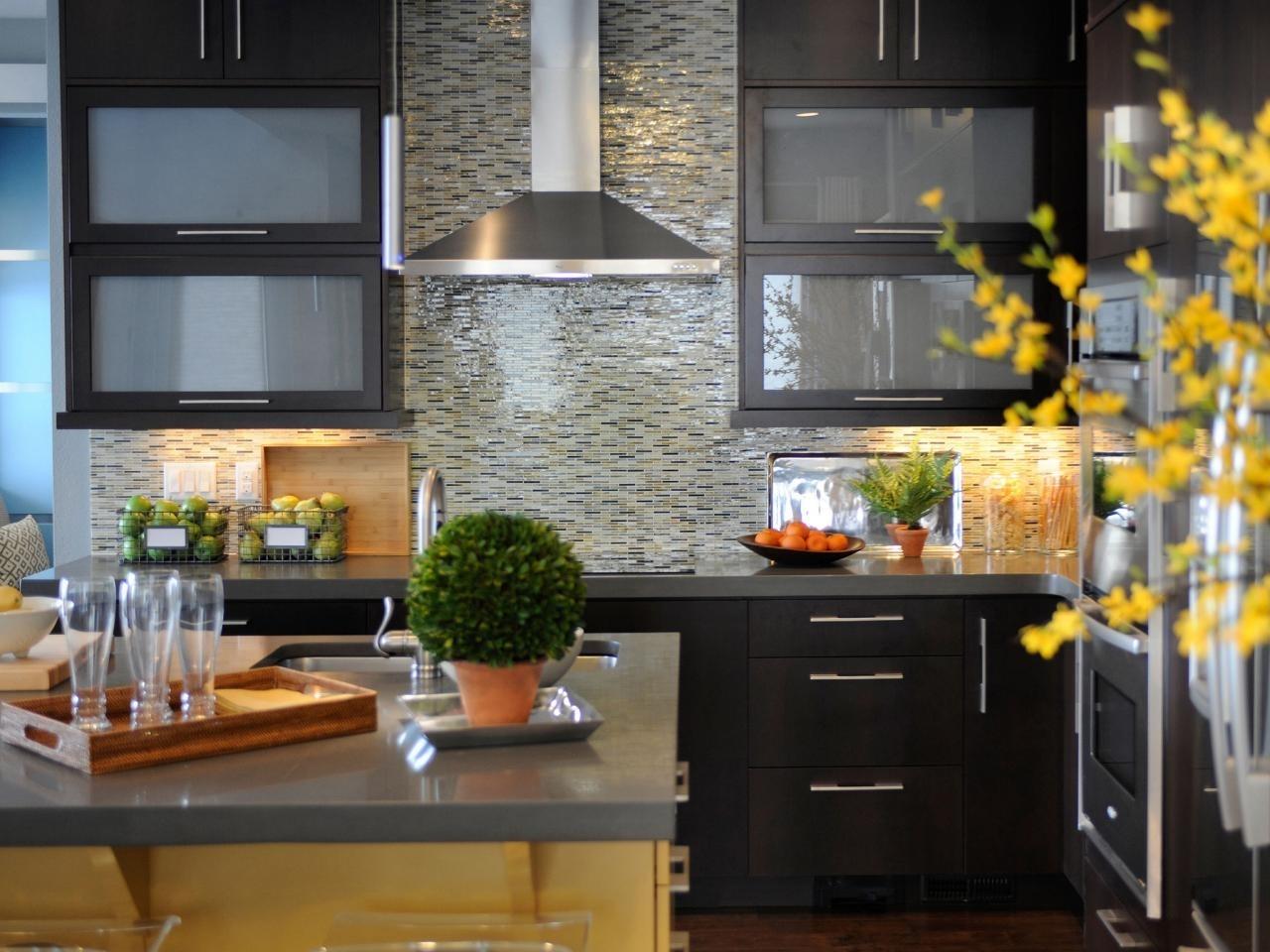 10 Fashionable Backsplash Tile Ideas For Kitchen %name 2020