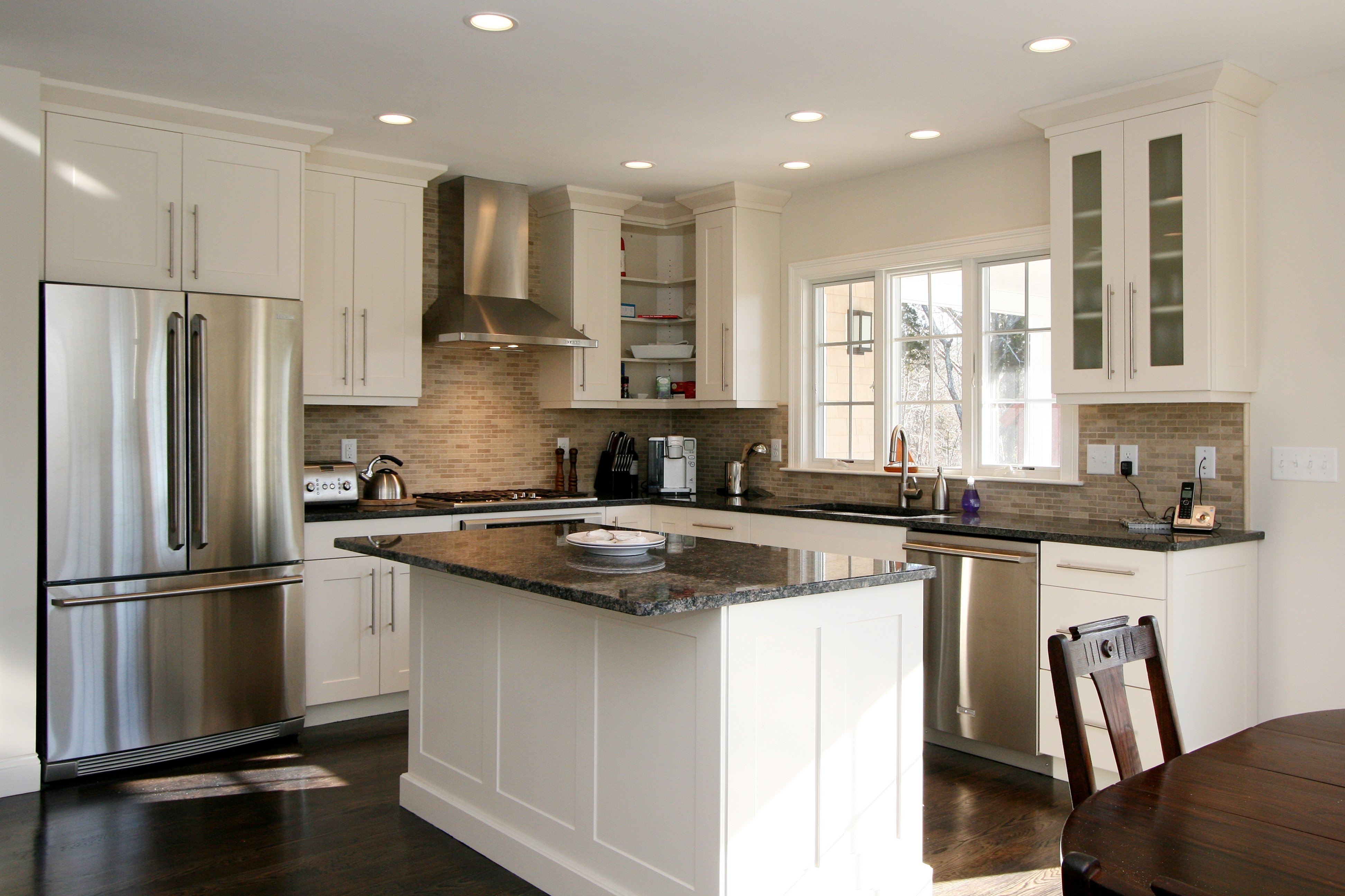 10 Fashionable Kitchen Layout Ideas With Island kitchen design island or peninsula plans with peninsulas designs 2021