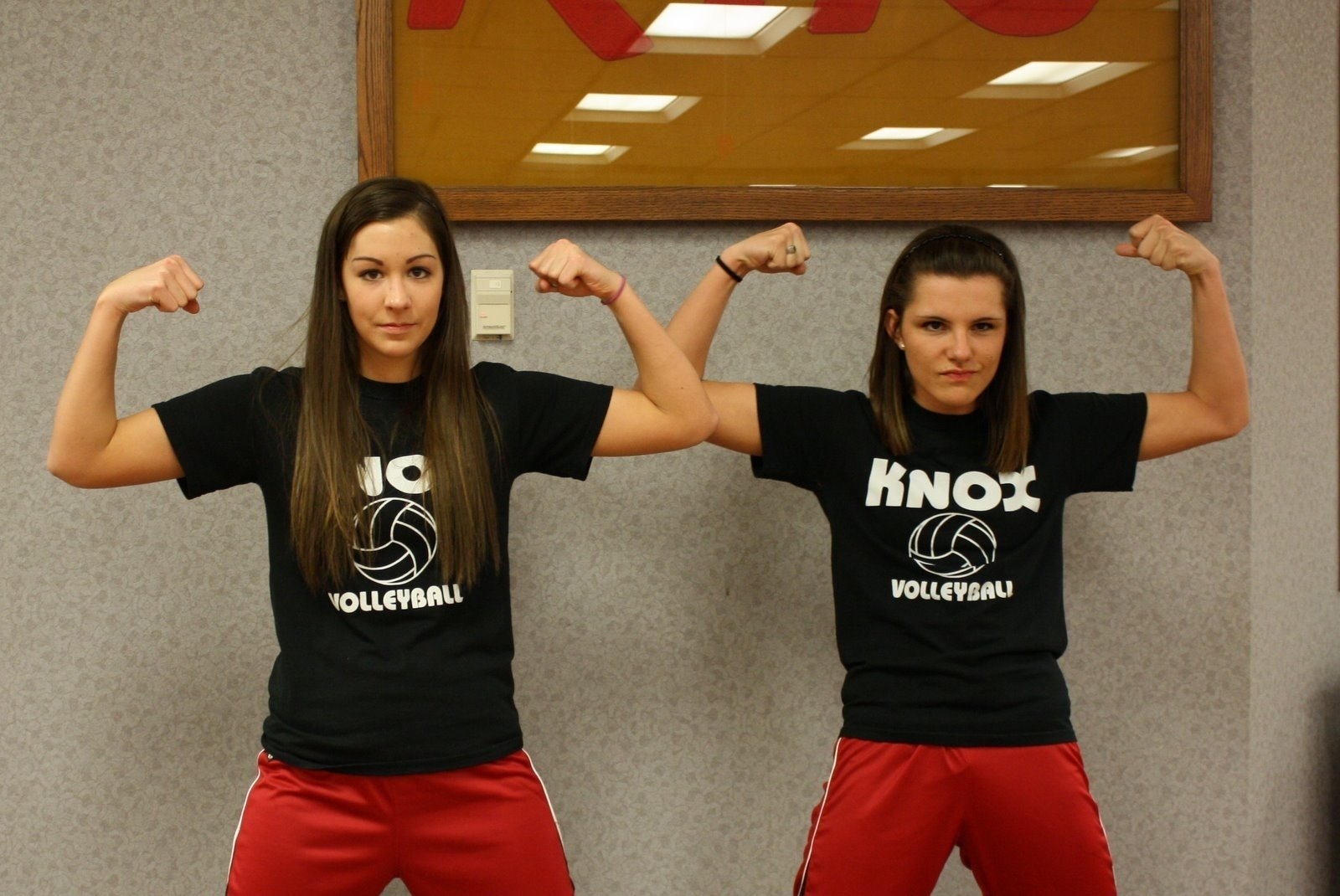 10 Attractive Ideas For Twin Day At School knox high school homecoming twin day
