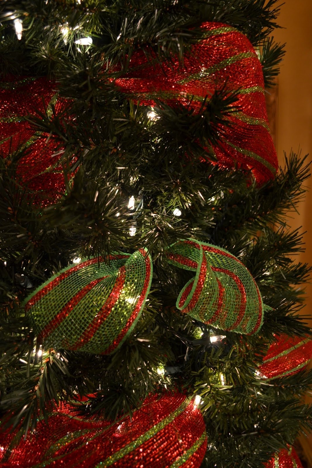10 Fabulous Decorating With Mesh Ribbon Ideas kristens creations decorating a christmas tree with mesh ribbon 1 2021